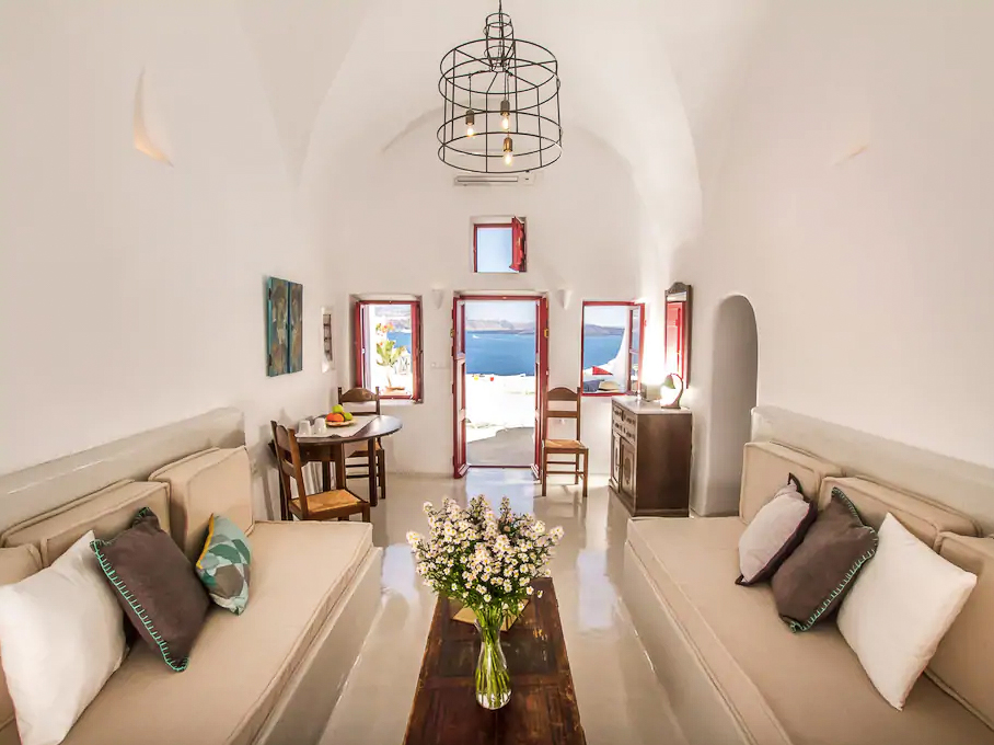 ckanani-airbnb-santorini-1.jpg