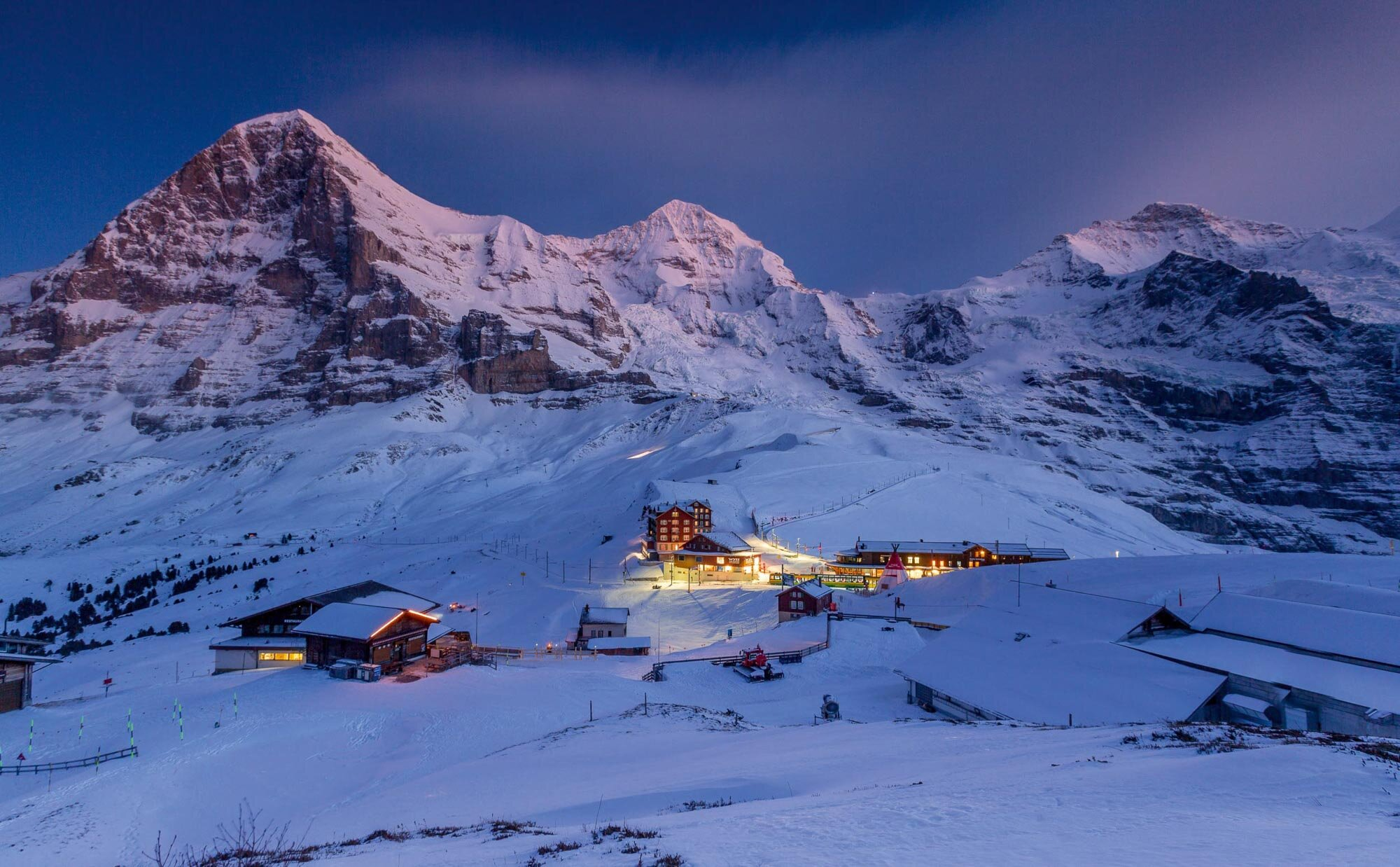 Evening atmosphere over the Kleine Scheidegg with views of the Eiger, Moench and Jungfrau above  Lauterbrunnen. Copyright by: Switzerland Tourism