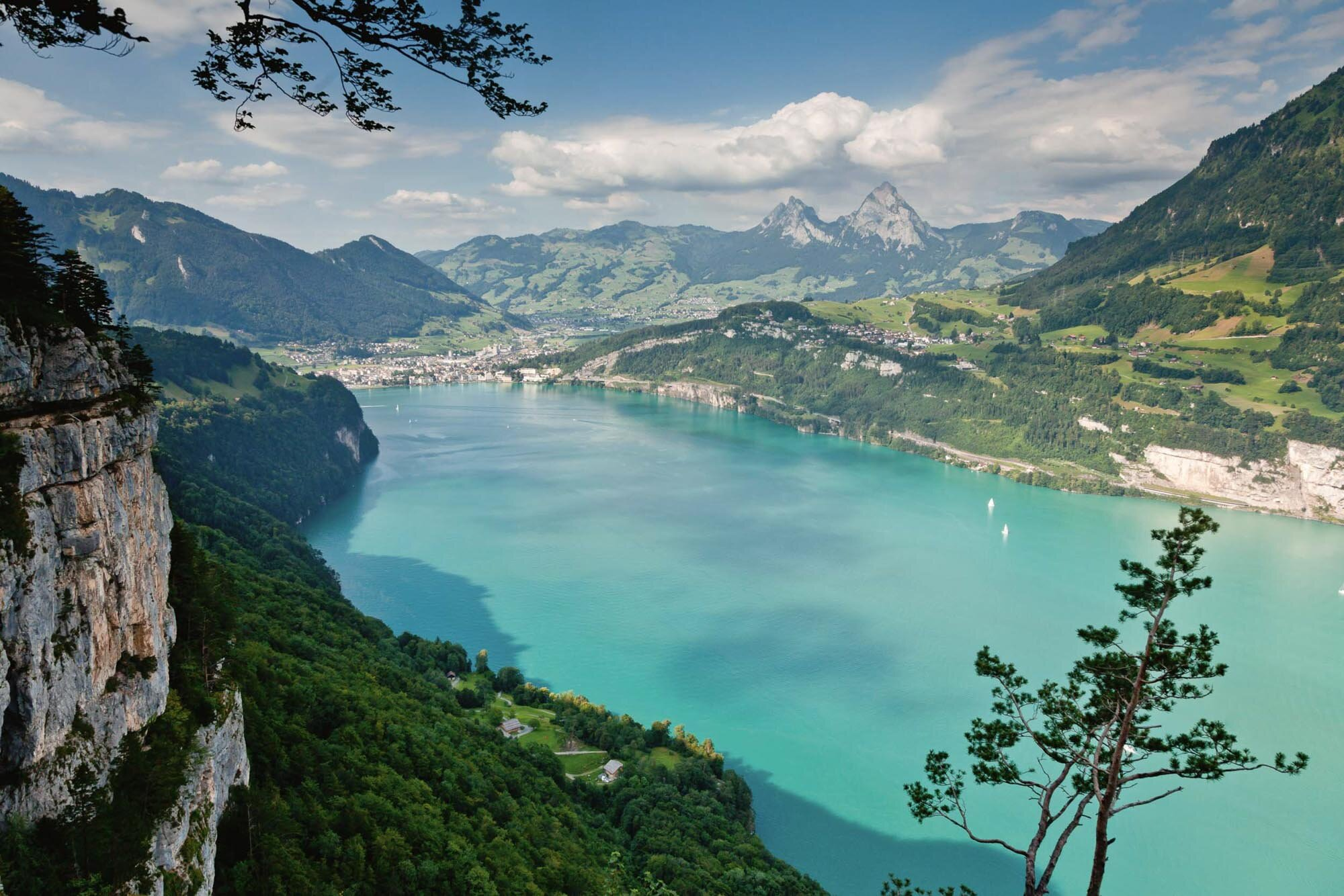 Looking over Lake Lucerne with Brunnen and the myths in the background. On the right the Axenstrasse and on the left the Ruetli. Copyright by: Switzerland Tourism