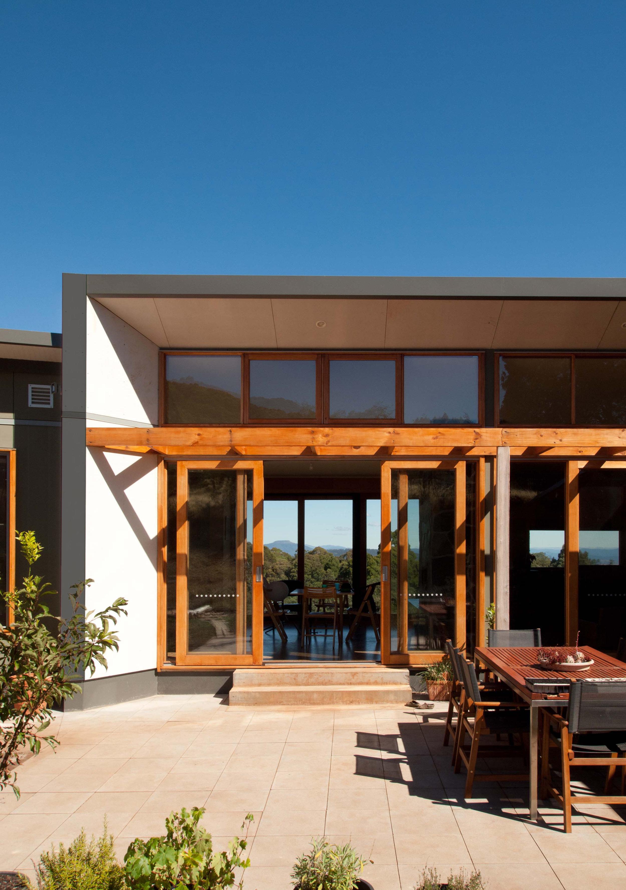 Habitech - Alpine House courtyard2.jpg