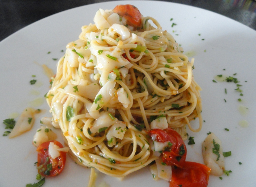 Angel hair with scallop and cherry tomato sauce