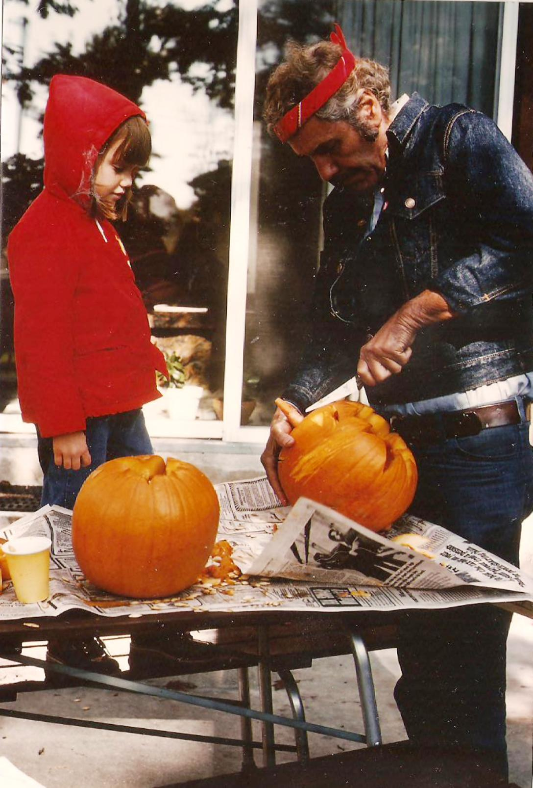 Dana + L. Calcagno carving pumpkins.jpg