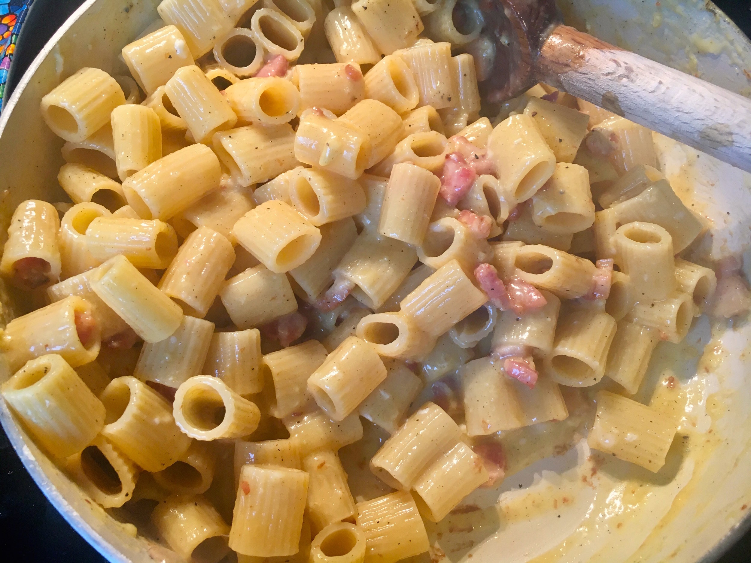 Carbonara in pan.jpg