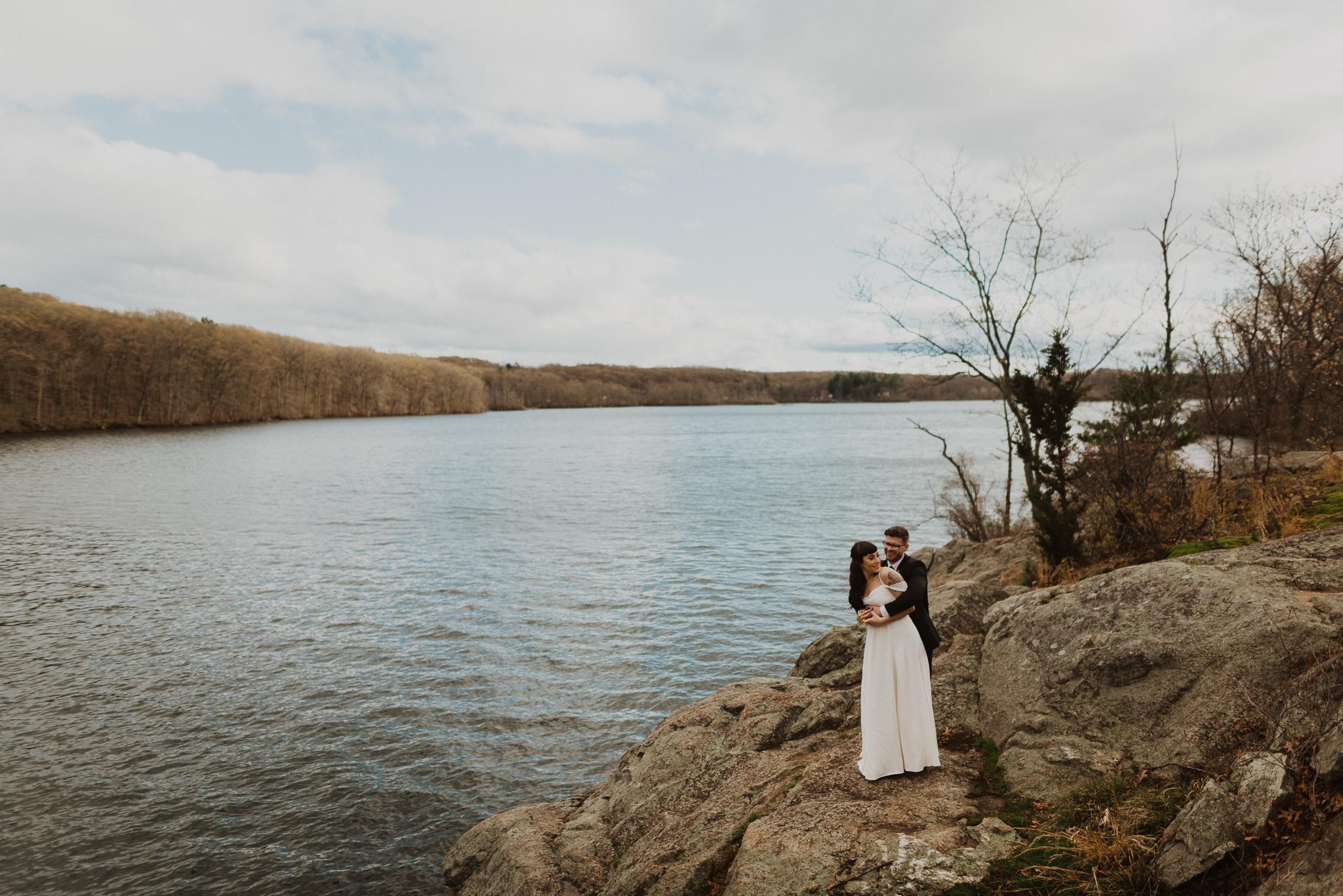 intimatebackyardwedding-8.jpg