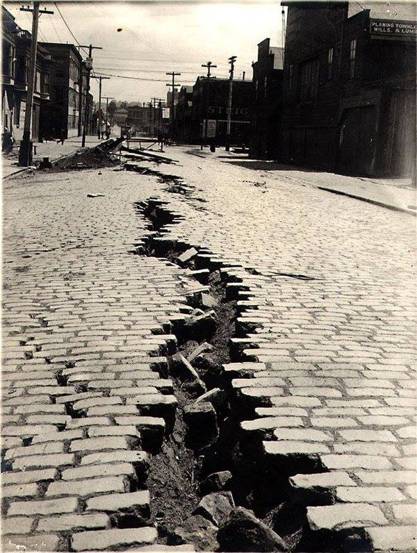 Folsom Street, San Francisco after the Great Earthquake of April 18th, 1906 by Unknown