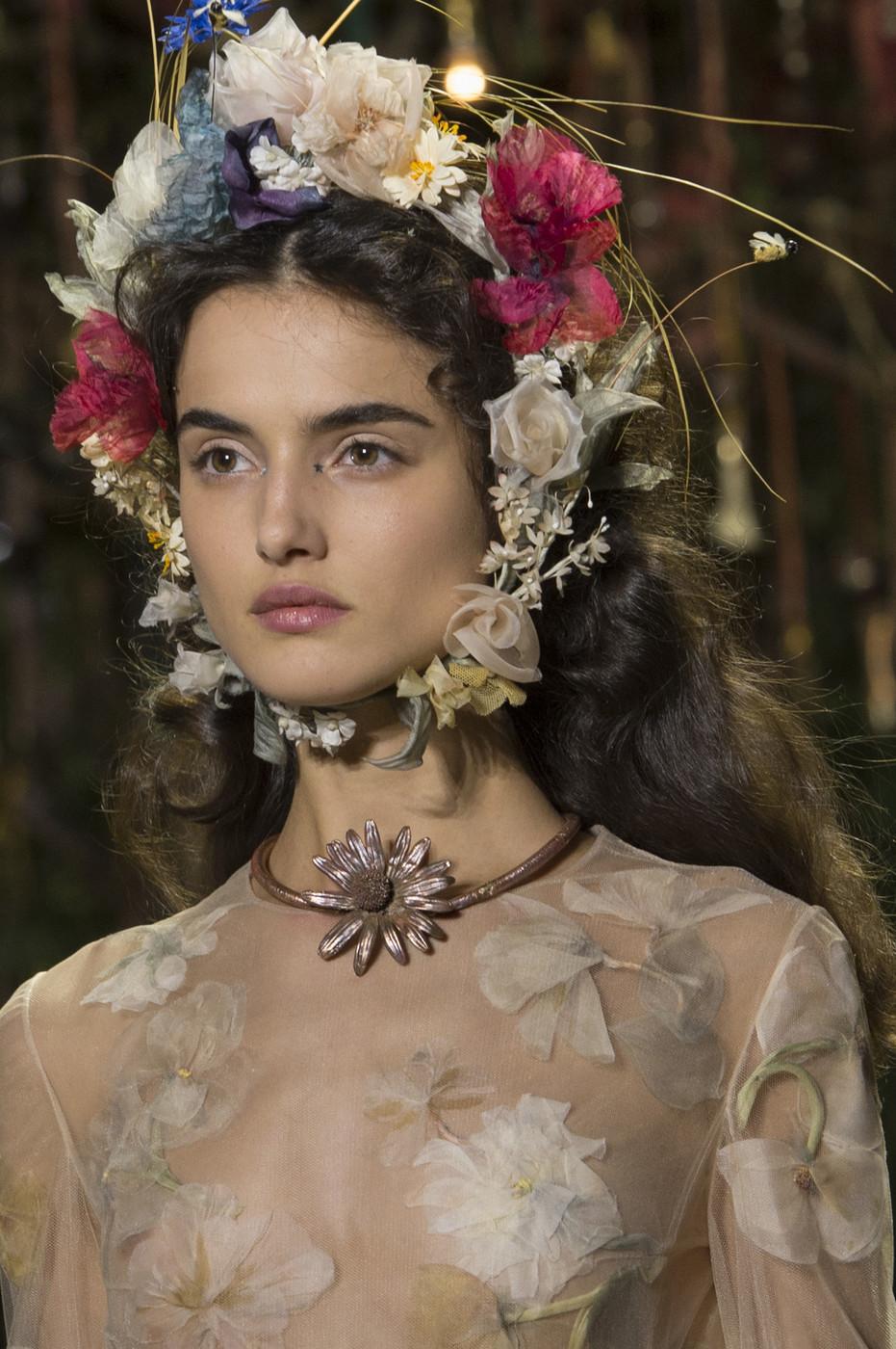 Christian+Dior+Spring+2017+Details+69Ldqp_0kIAx.jpg