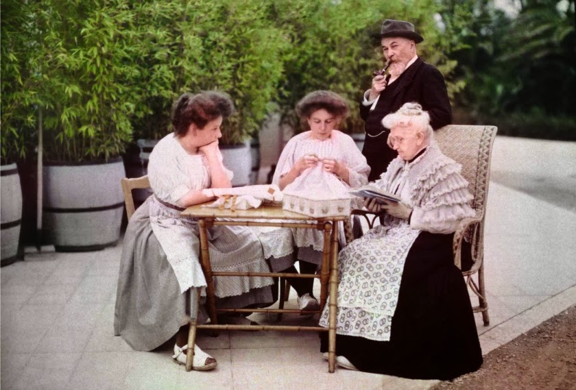 Daughters of Lumière Brothers, ca. 1909-1910 (5).jpg