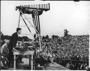 Lindbergh addressing a crowd on Art Hill
