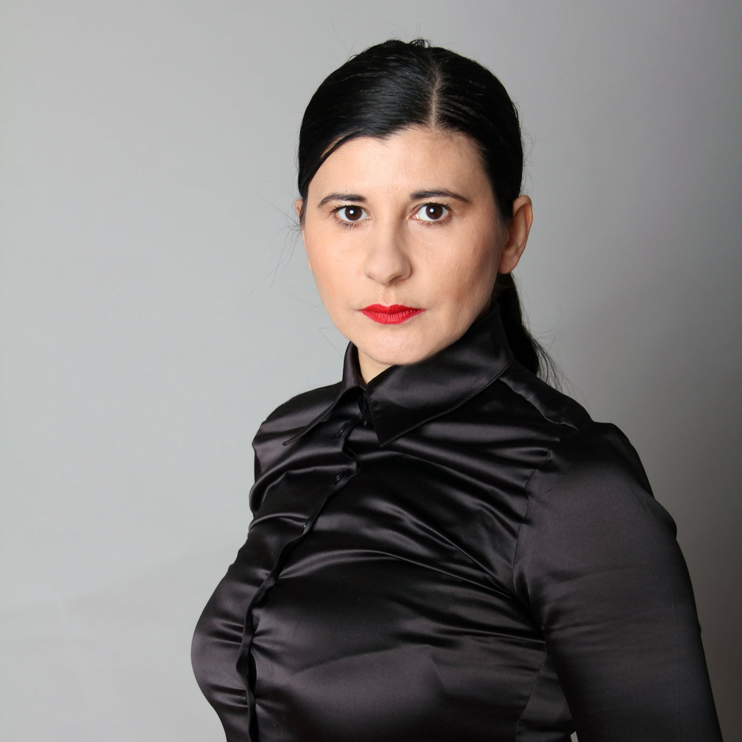 Nezaket Ekici portrait photo by Nihad Nino Pušija.jpg