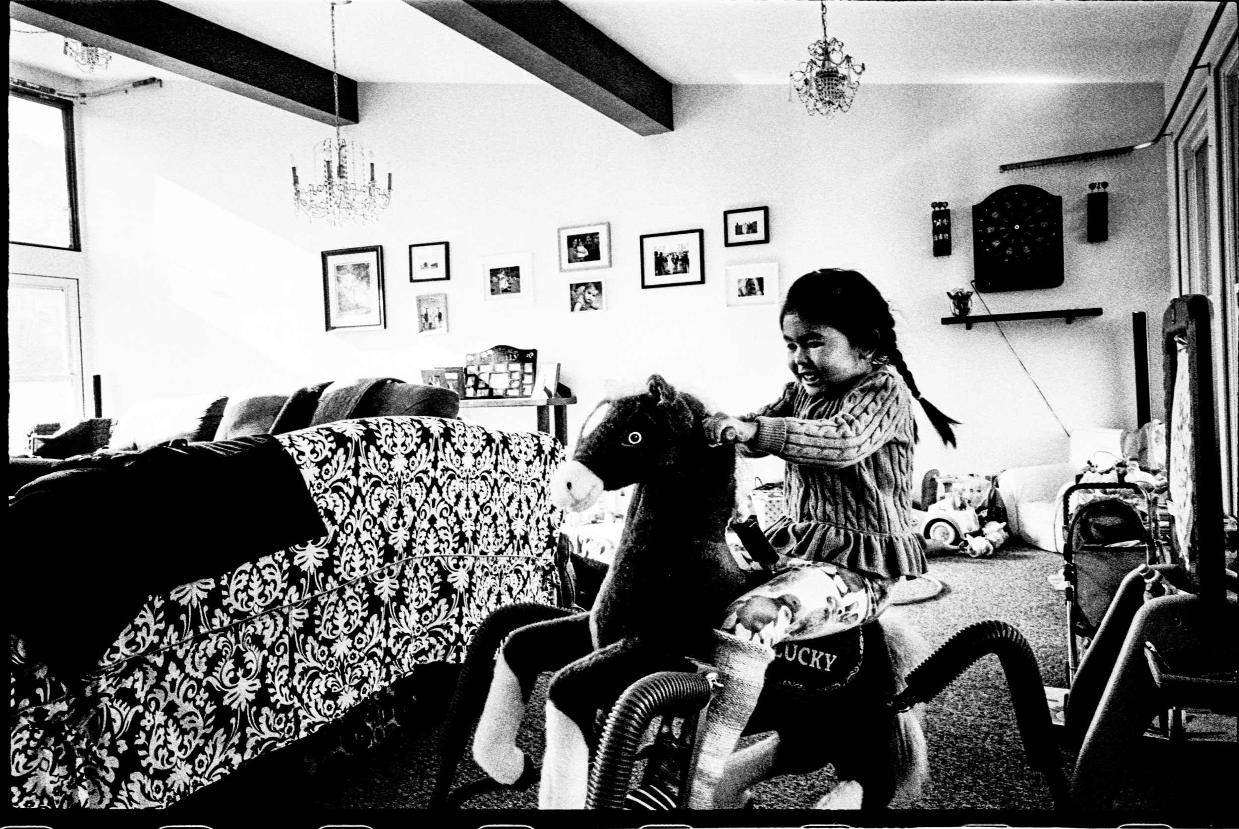 Ricoh GR1v; Ilford HP5 400; D76 (1:1, stand) @ 41-42c for 7.75  mins