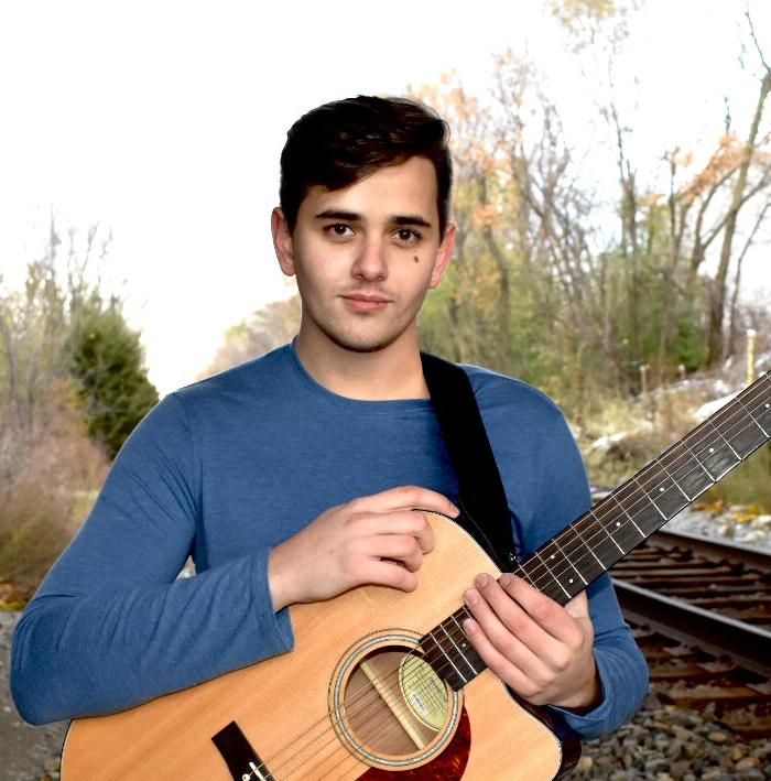 Isaiah Eby - guitar lessons wheaton glen ellyn.jpg