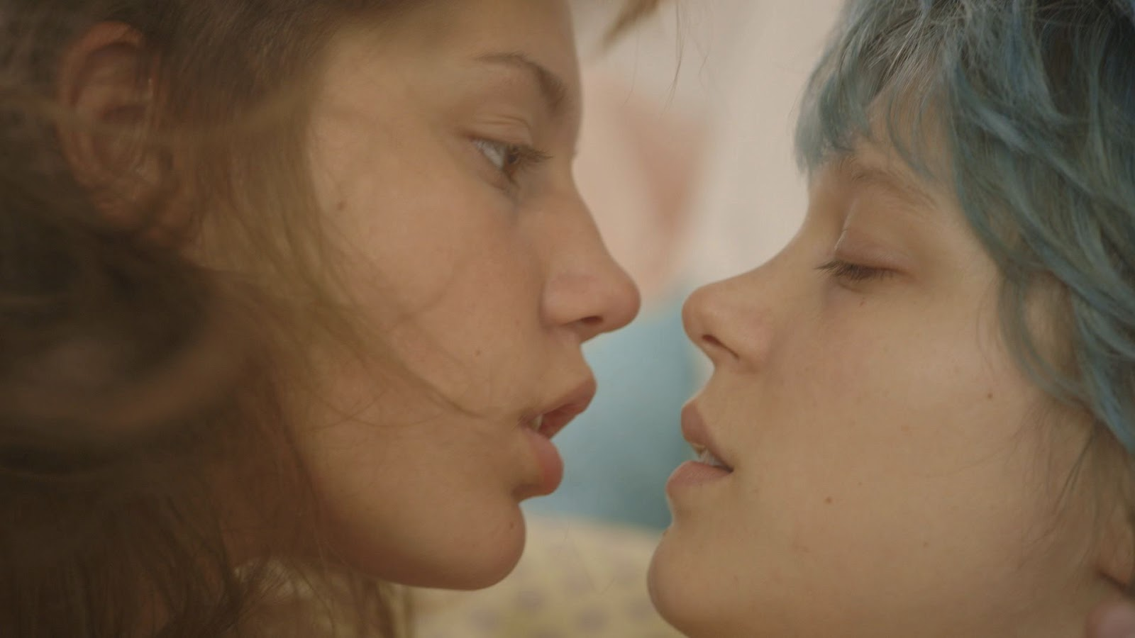 blue_is_the_warmest_color_3.jpg