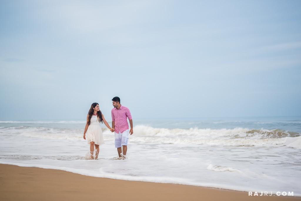 Couple_Shoot_Pondicherry_Le_Pondy_Beach-9.jpg