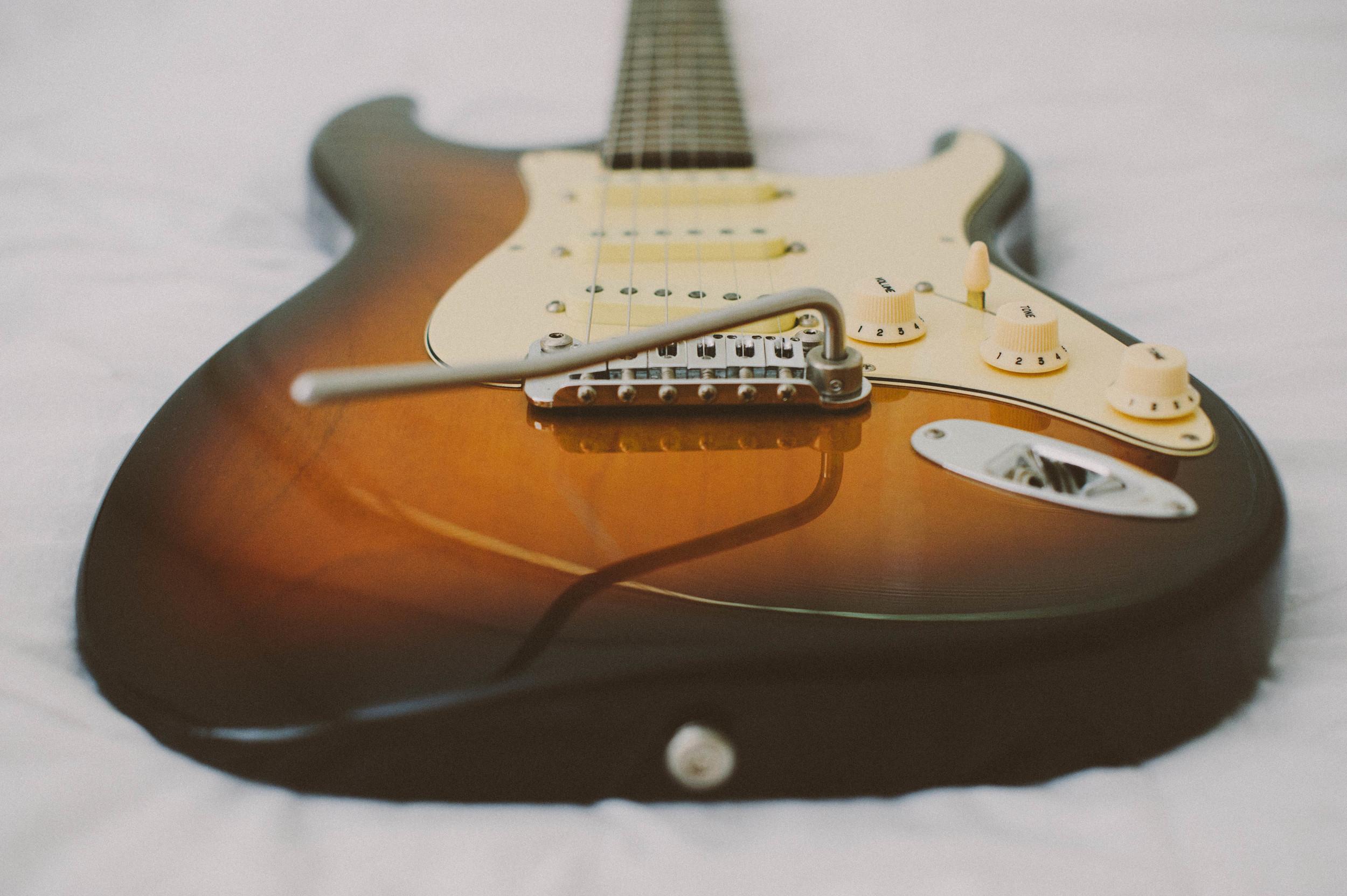 Guitar-16.jpg