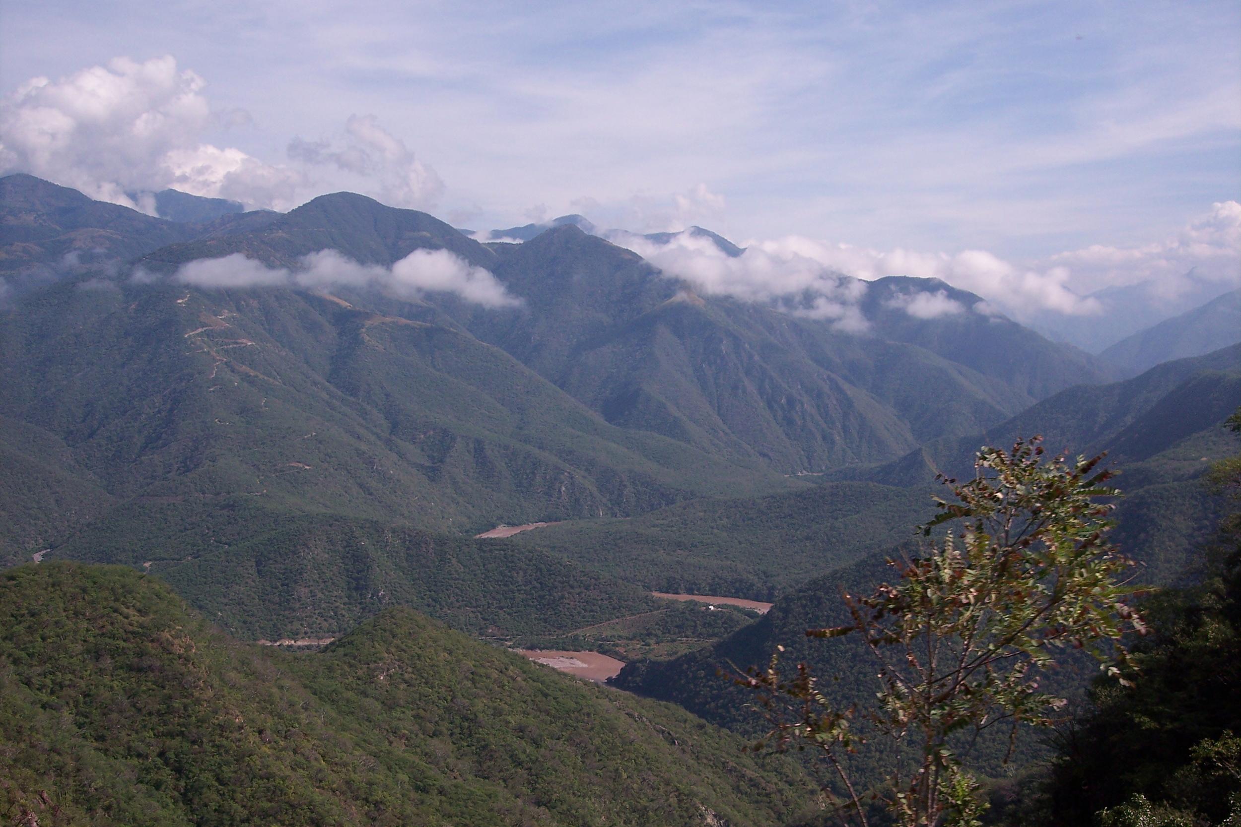 Sierra_Madre_Occidental.jpg