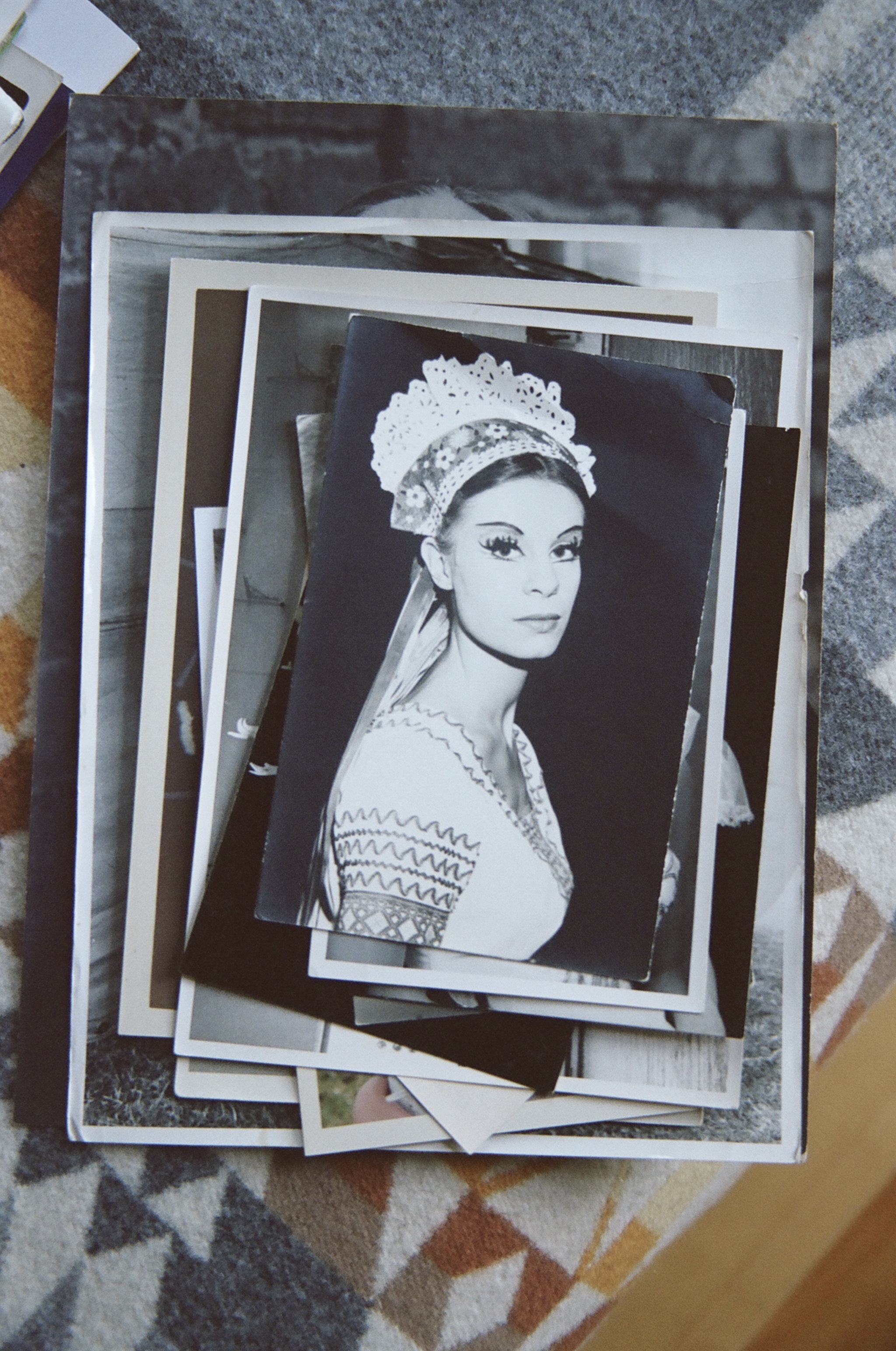 An old photo of Andreas's mother when she used to dance.