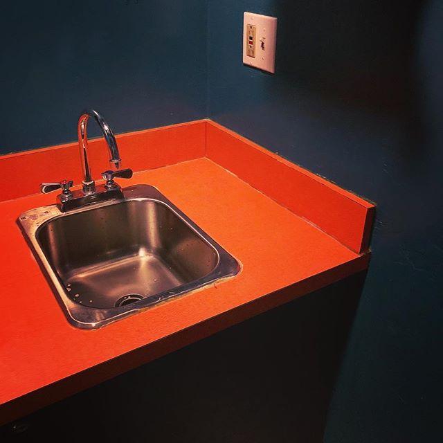 #pretty #orange #green #handsink