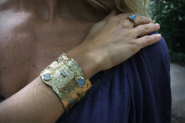 kindling_cuff_guardian_ring_aquamarine.png