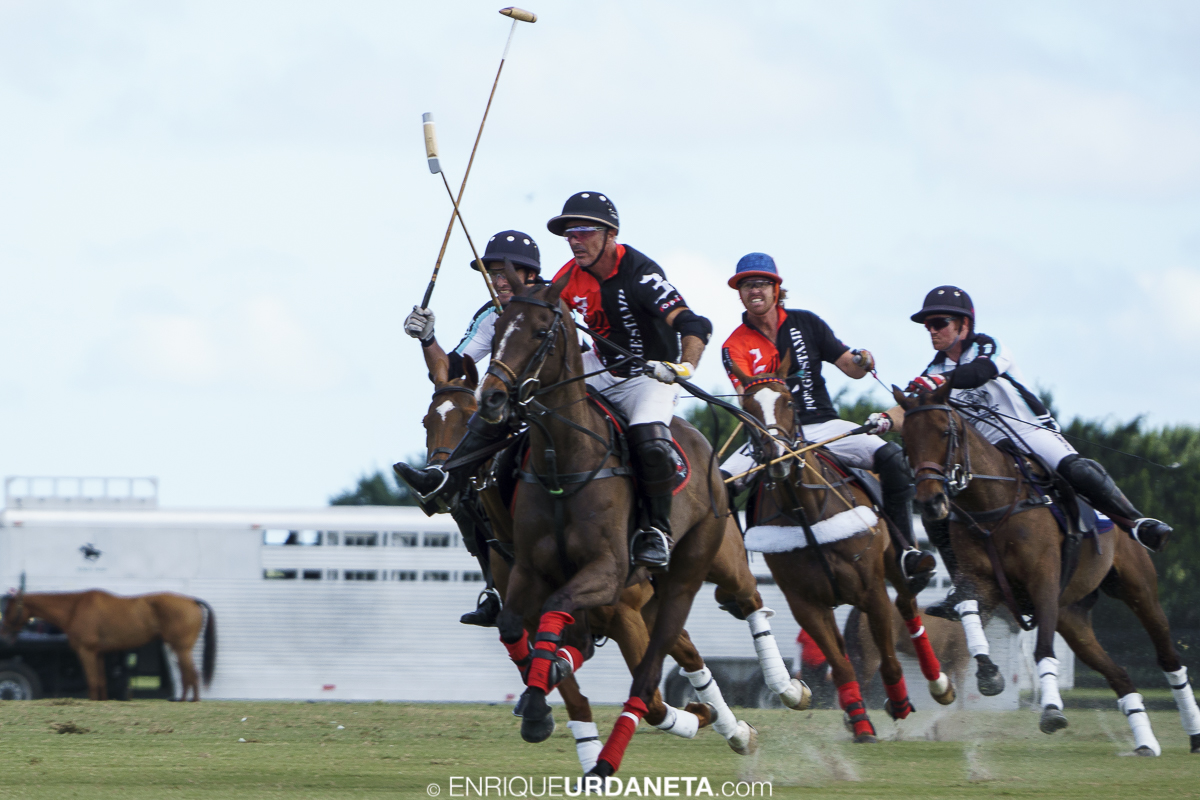 Polo_by_Enrique_Urdaneta_20170112-1309.jpg