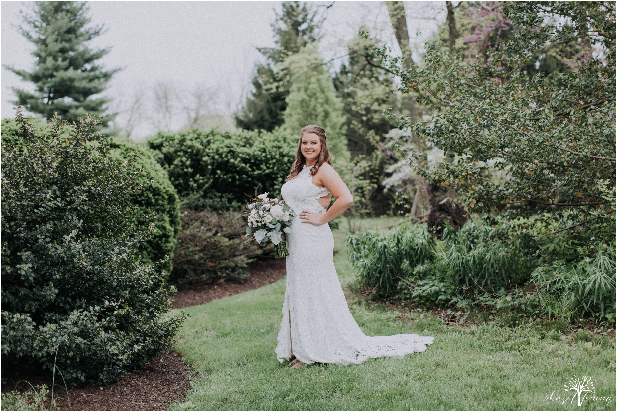 hazel-lining-travel-wedding-elopement-photography-abby-skyler-hunt-the-willis-house-york-pennsylvania-outdoor-estate-wedding_0012.jpg