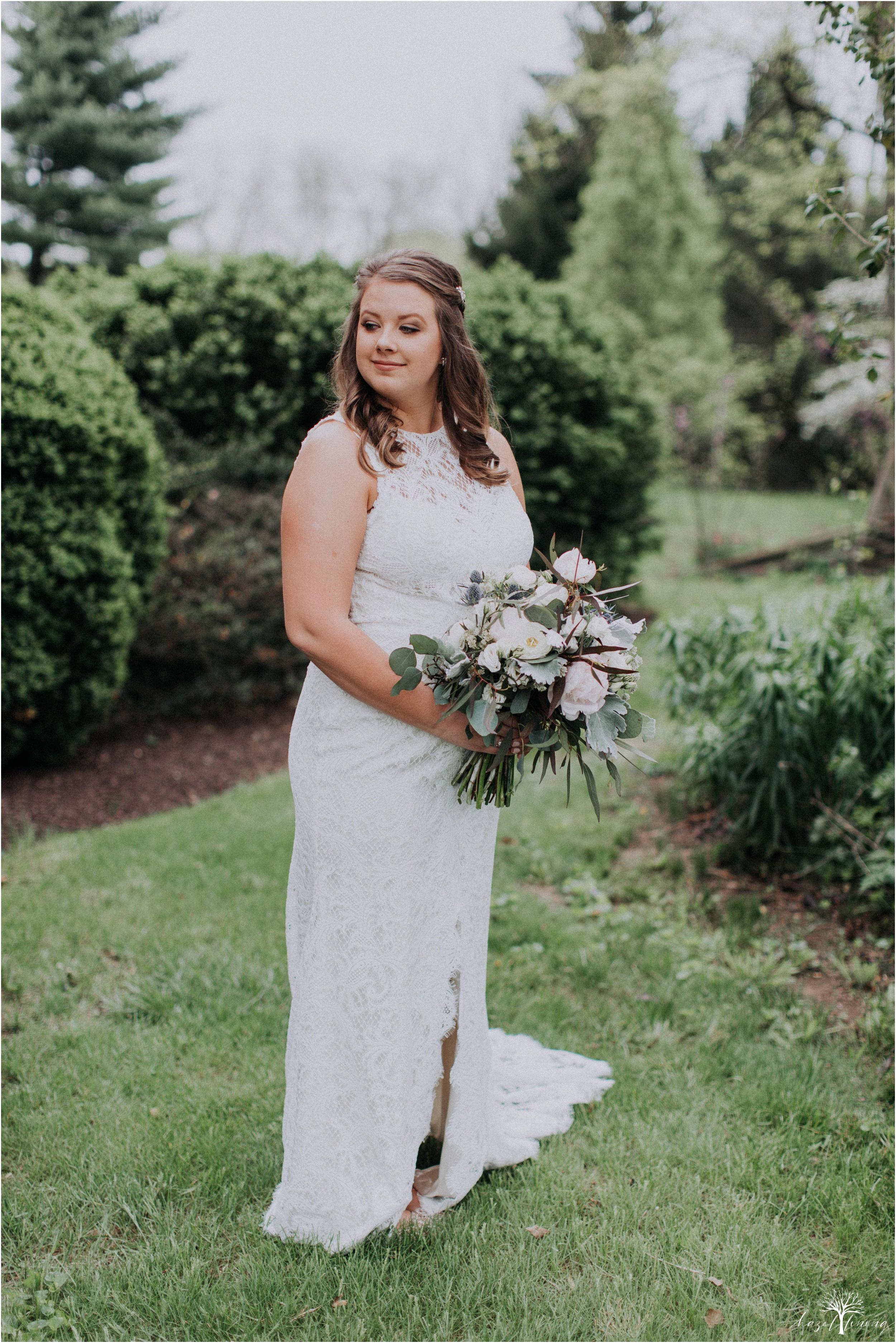 hazel-lining-travel-wedding-elopement-photography-abby-skyler-hunt-the-willis-house-york-pennsylvania-outdoor-estate-wedding_0014.jpg