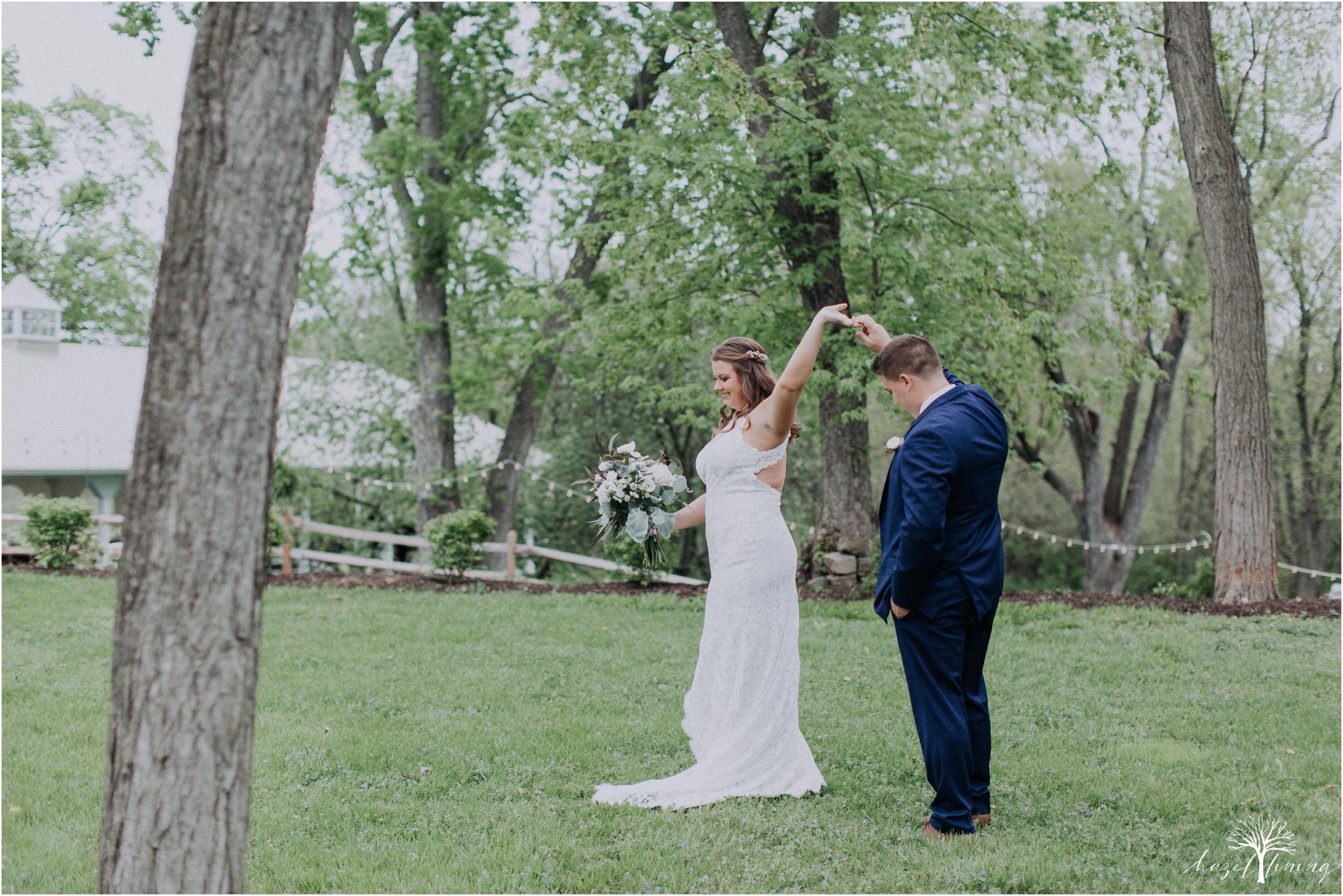 hazel-lining-travel-wedding-elopement-photography-abby-skyler-hunt-the-willis-house-york-pennsylvania-outdoor-estate-wedding_0026.jpg