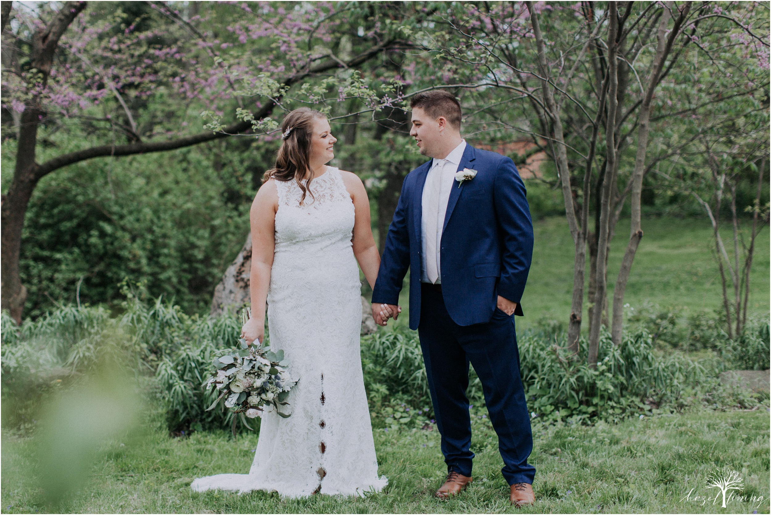 hazel-lining-travel-wedding-elopement-photography-abby-skyler-hunt-the-willis-house-york-pennsylvania-outdoor-estate-wedding_0031.jpg