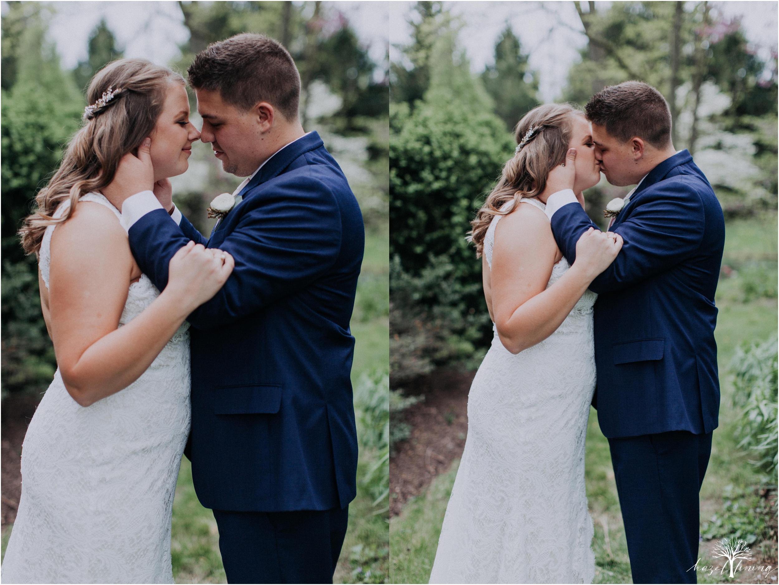hazel-lining-travel-wedding-elopement-photography-abby-skyler-hunt-the-willis-house-york-pennsylvania-outdoor-estate-wedding_0038.jpg