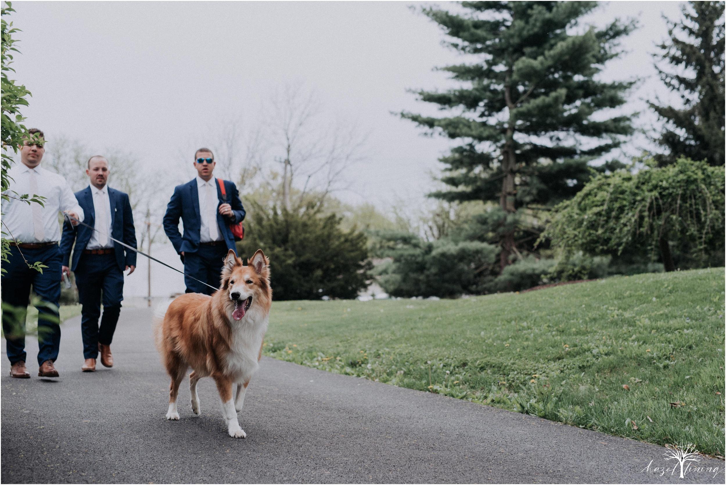 hazel-lining-travel-wedding-elopement-photography-abby-skyler-hunt-the-willis-house-york-pennsylvania-outdoor-estate-wedding_0043.jpg