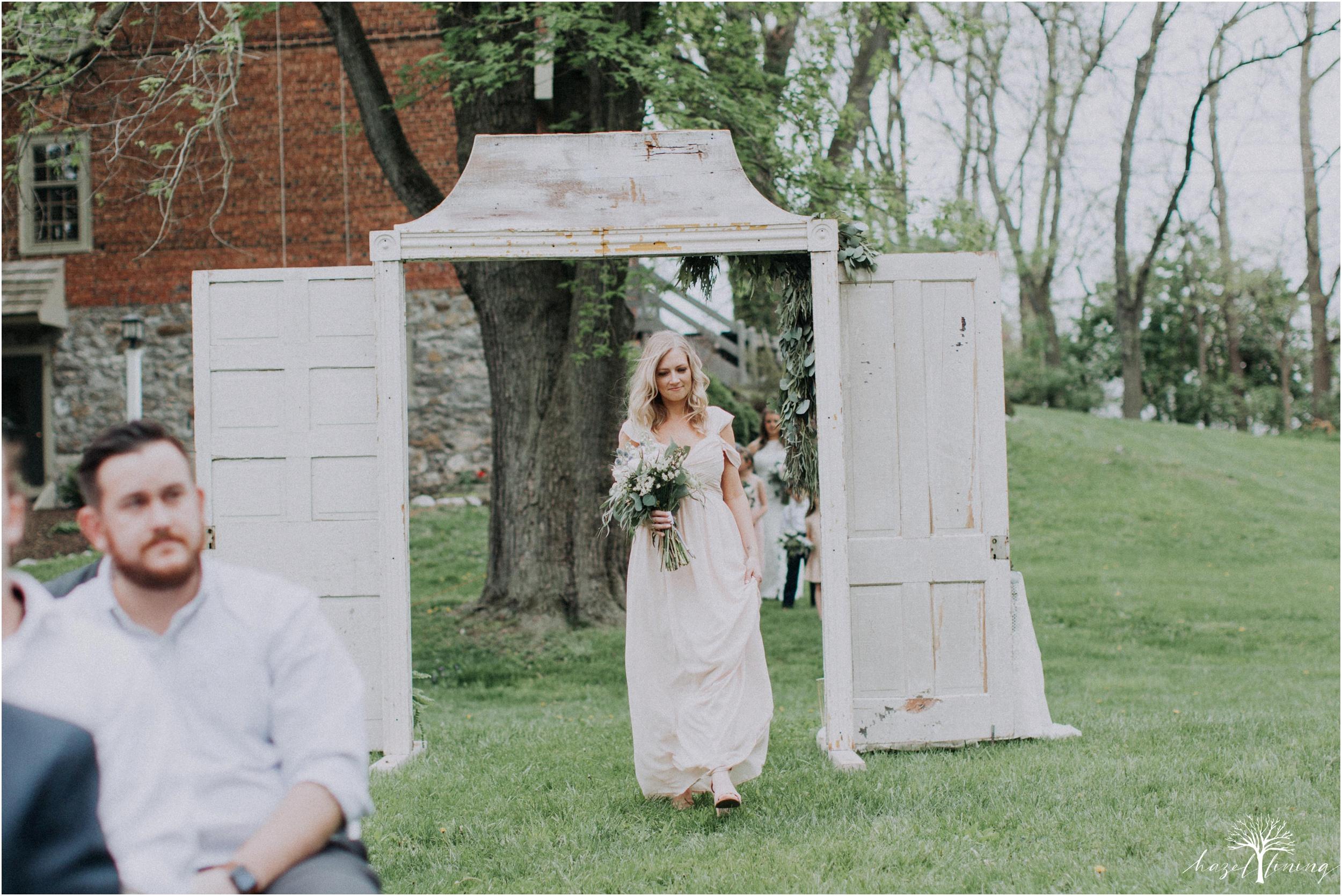 hazel-lining-travel-wedding-elopement-photography-abby-skyler-hunt-the-willis-house-york-pennsylvania-outdoor-estate-wedding_0075.jpg