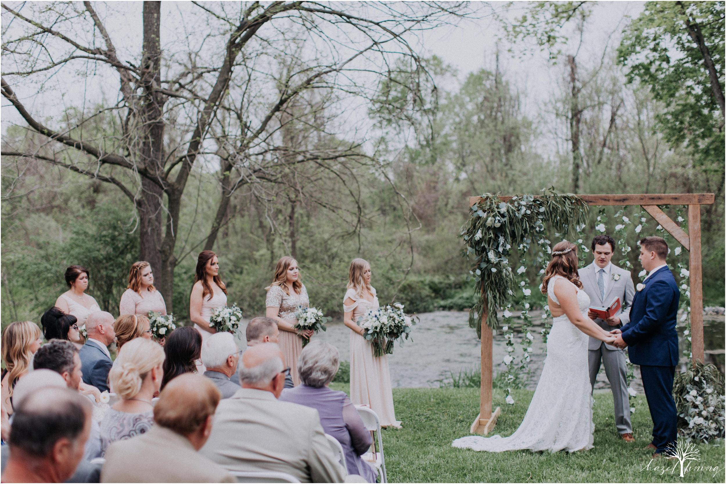 hazel-lining-travel-wedding-elopement-photography-abby-skyler-hunt-the-willis-house-york-pennsylvania-outdoor-estate-wedding_0083.jpg