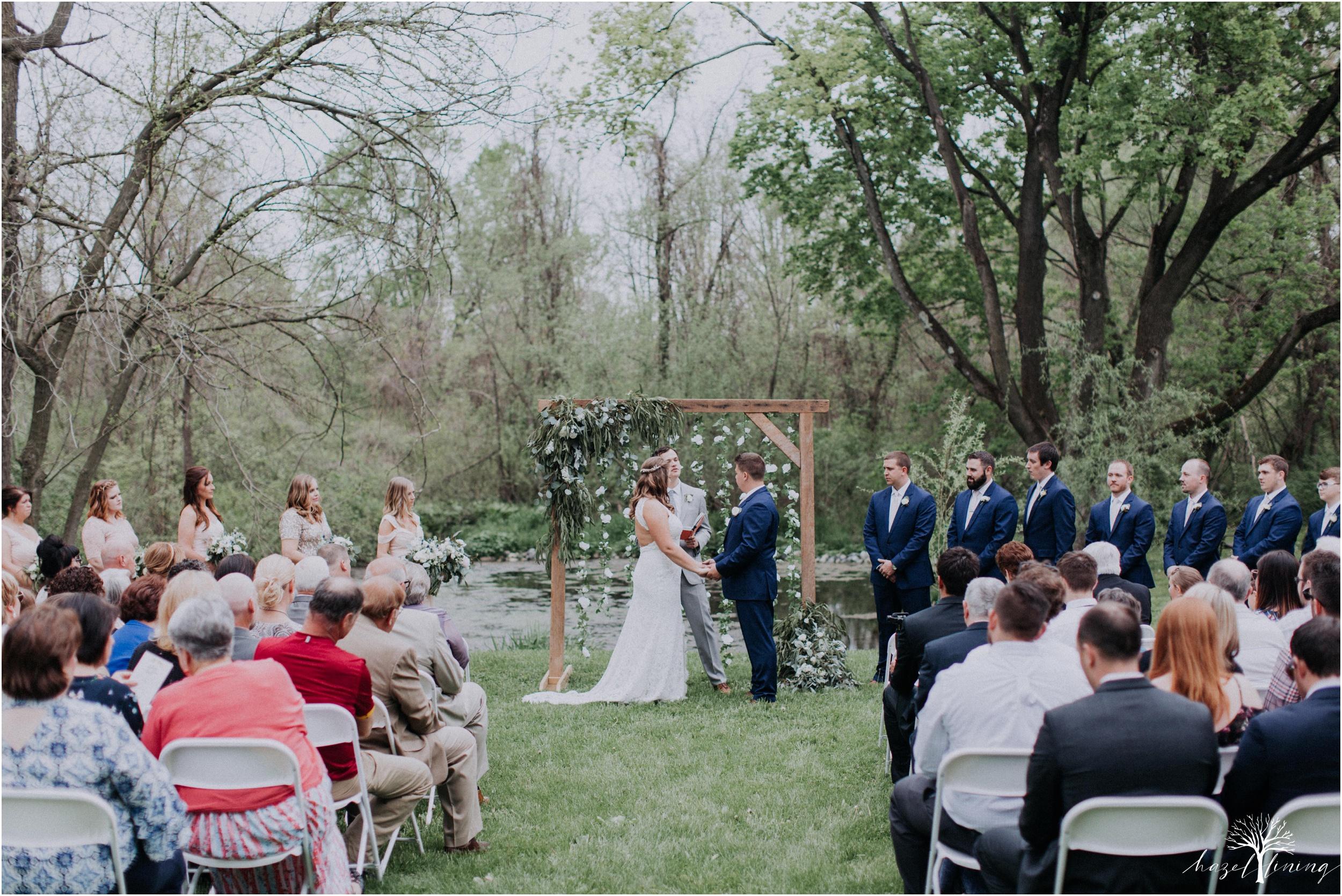 hazel-lining-travel-wedding-elopement-photography-abby-skyler-hunt-the-willis-house-york-pennsylvania-outdoor-estate-wedding_0086.jpg