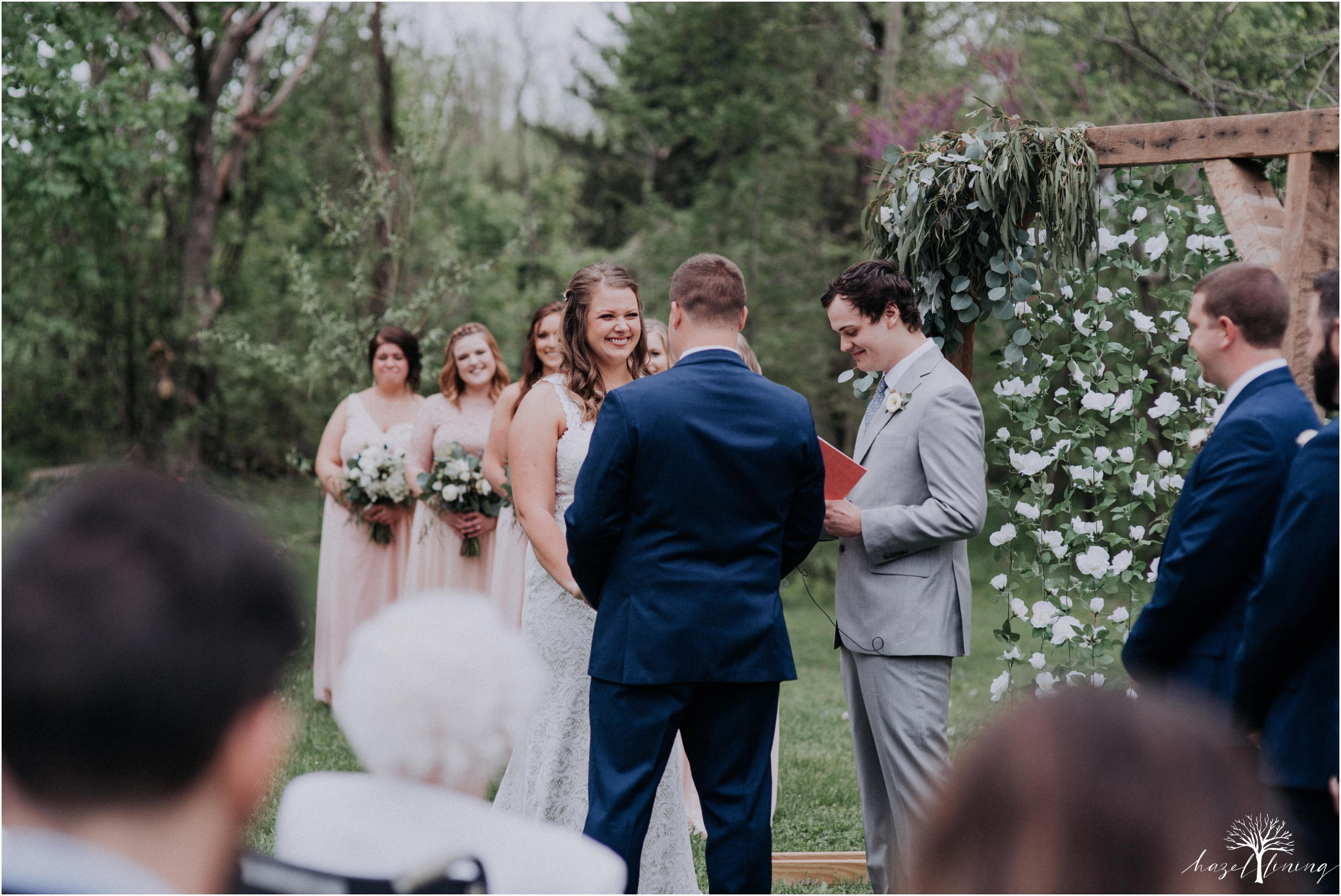 hazel-lining-travel-wedding-elopement-photography-abby-skyler-hunt-the-willis-house-york-pennsylvania-outdoor-estate-wedding_0087.jpg