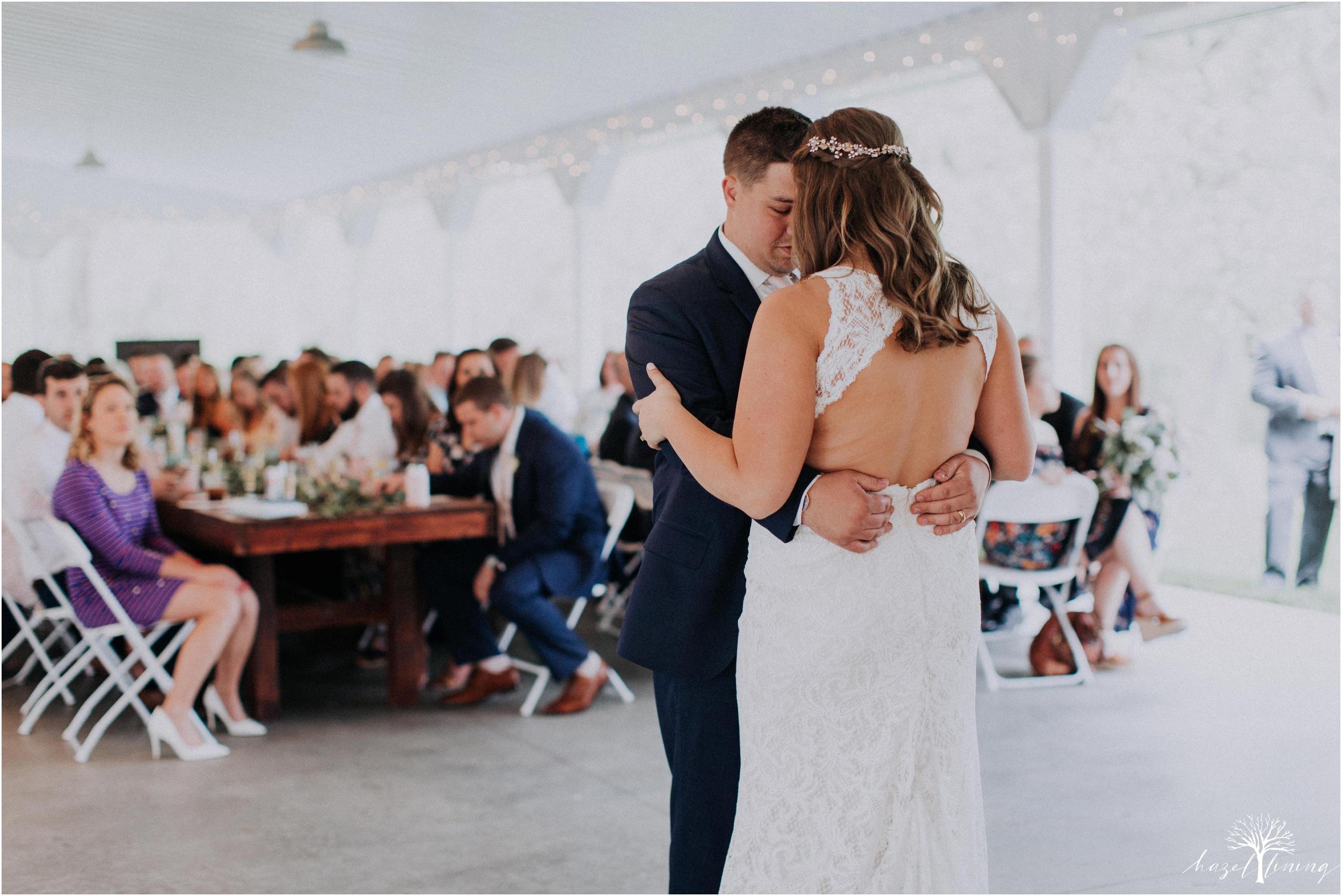 hazel-lining-travel-wedding-elopement-photography-abby-skyler-hunt-the-willis-house-york-pennsylvania-outdoor-estate-wedding_0109.jpg
