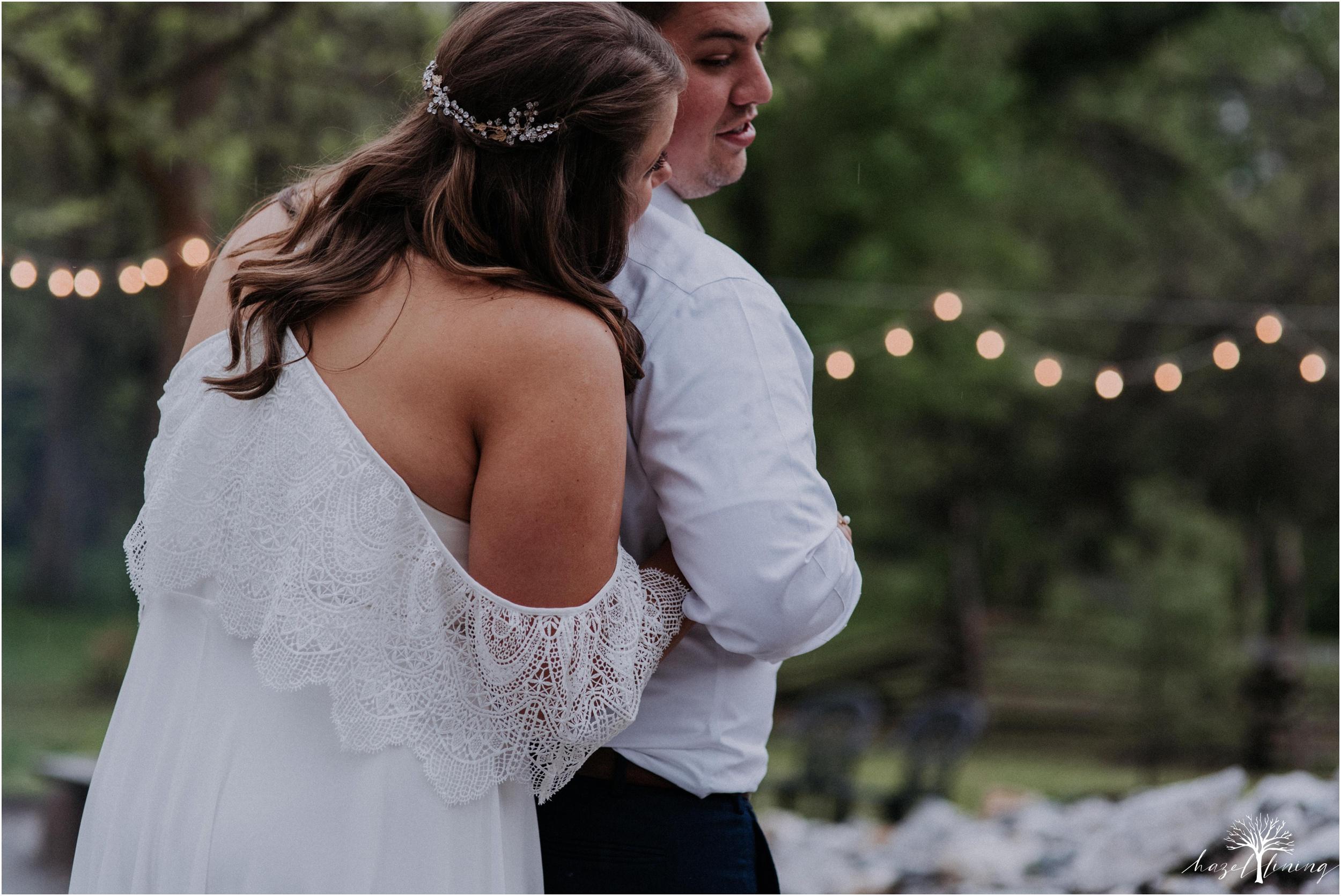 hazel-lining-travel-wedding-elopement-photography-abby-skyler-hunt-the-willis-house-york-pennsylvania-outdoor-estate-wedding_0129.jpg
