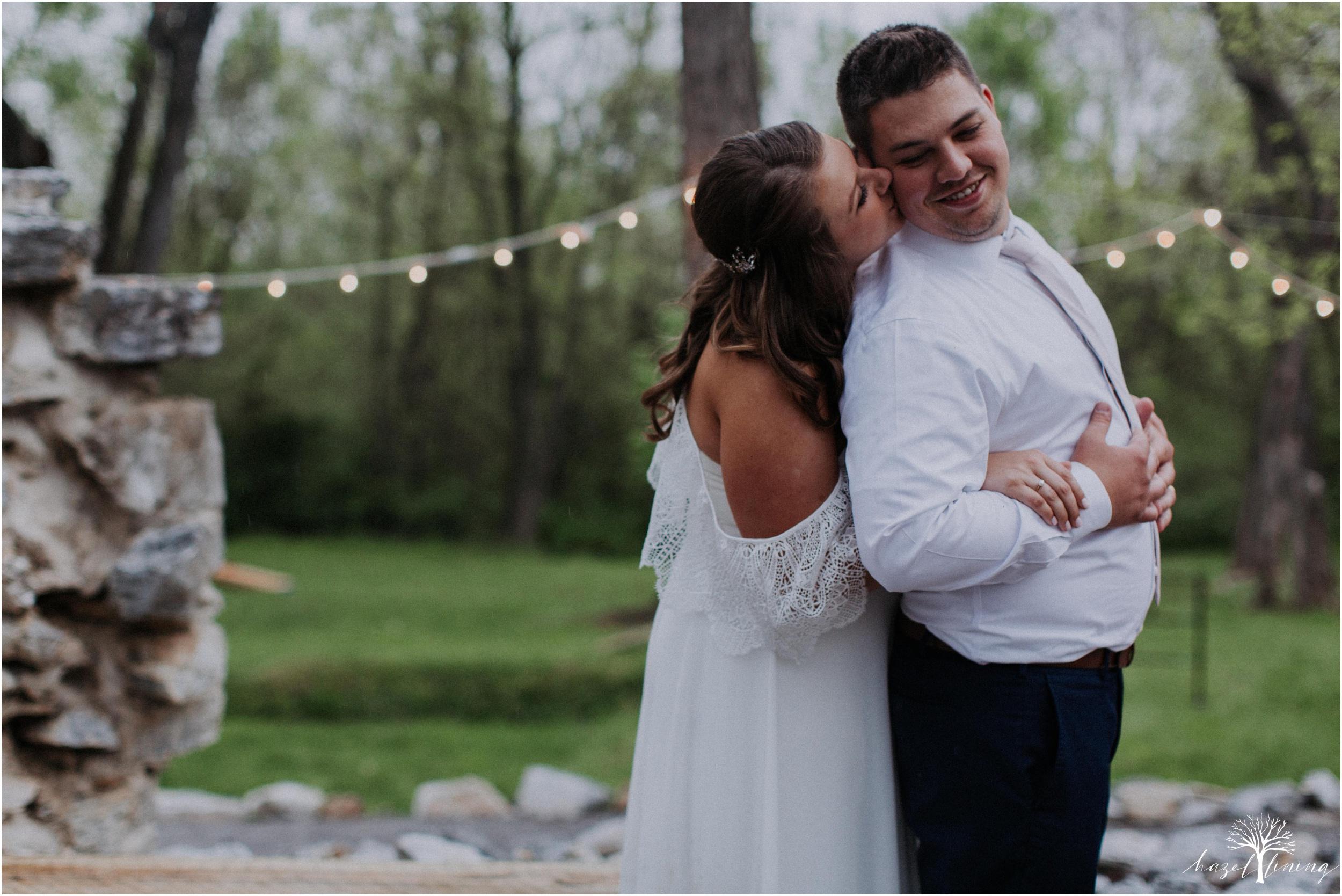 hazel-lining-travel-wedding-elopement-photography-abby-skyler-hunt-the-willis-house-york-pennsylvania-outdoor-estate-wedding_0131.jpg