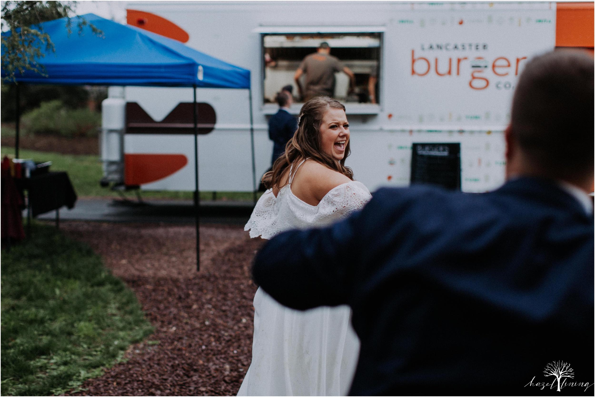 hazel-lining-travel-wedding-elopement-photography-abby-skyler-hunt-the-willis-house-york-pennsylvania-outdoor-estate-wedding_0135.jpg