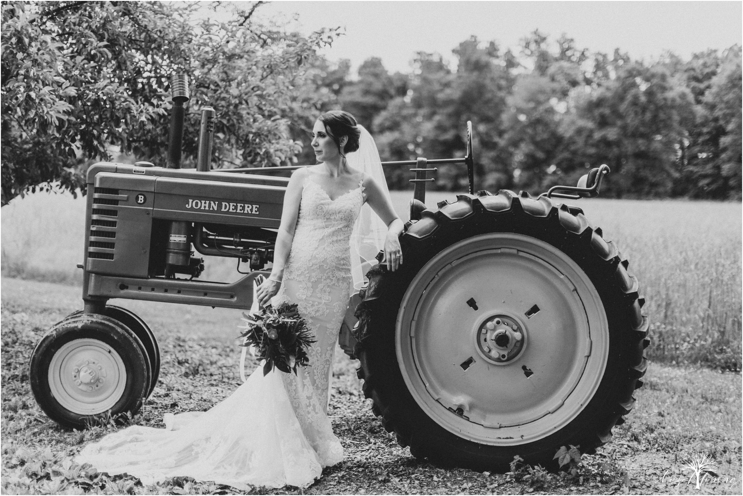 hazel-lining-travel-wedding-elopement-photography-lisa-landon-shoemaker-the-farm-bakery-and-events-bucks-county-quakertown-pennsylvania-summer-country-outdoor-farm-wedding_0016.jpg