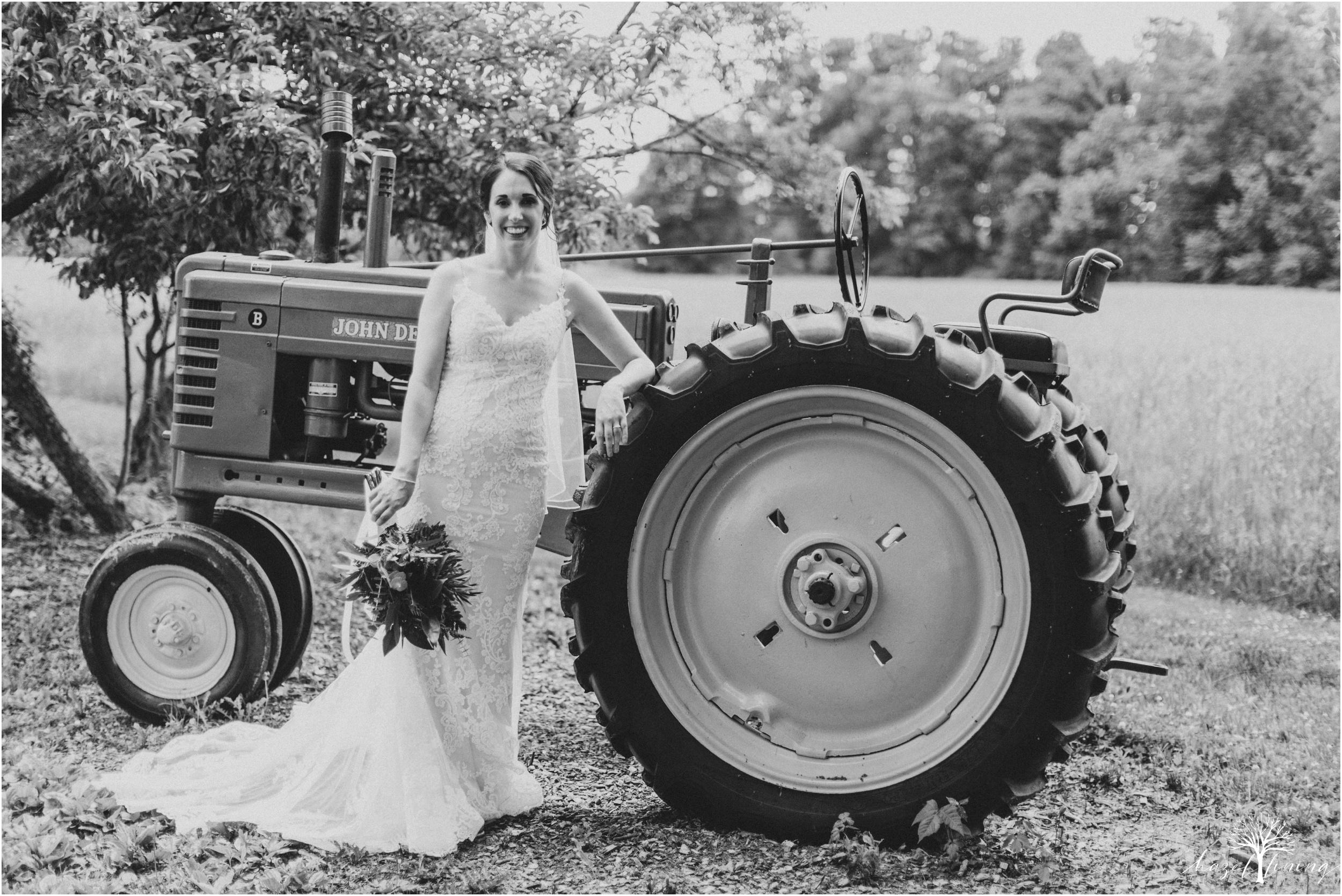 hazel-lining-travel-wedding-elopement-photography-lisa-landon-shoemaker-the-farm-bakery-and-events-bucks-county-quakertown-pennsylvania-summer-country-outdoor-farm-wedding_0017.jpg