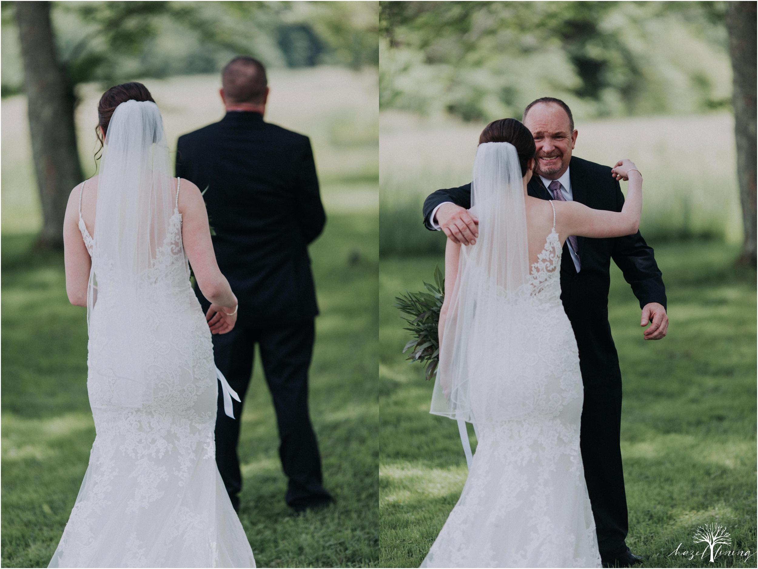 hazel-lining-travel-wedding-elopement-photography-lisa-landon-shoemaker-the-farm-bakery-and-events-bucks-county-quakertown-pennsylvania-summer-country-outdoor-farm-wedding_0021.jpg