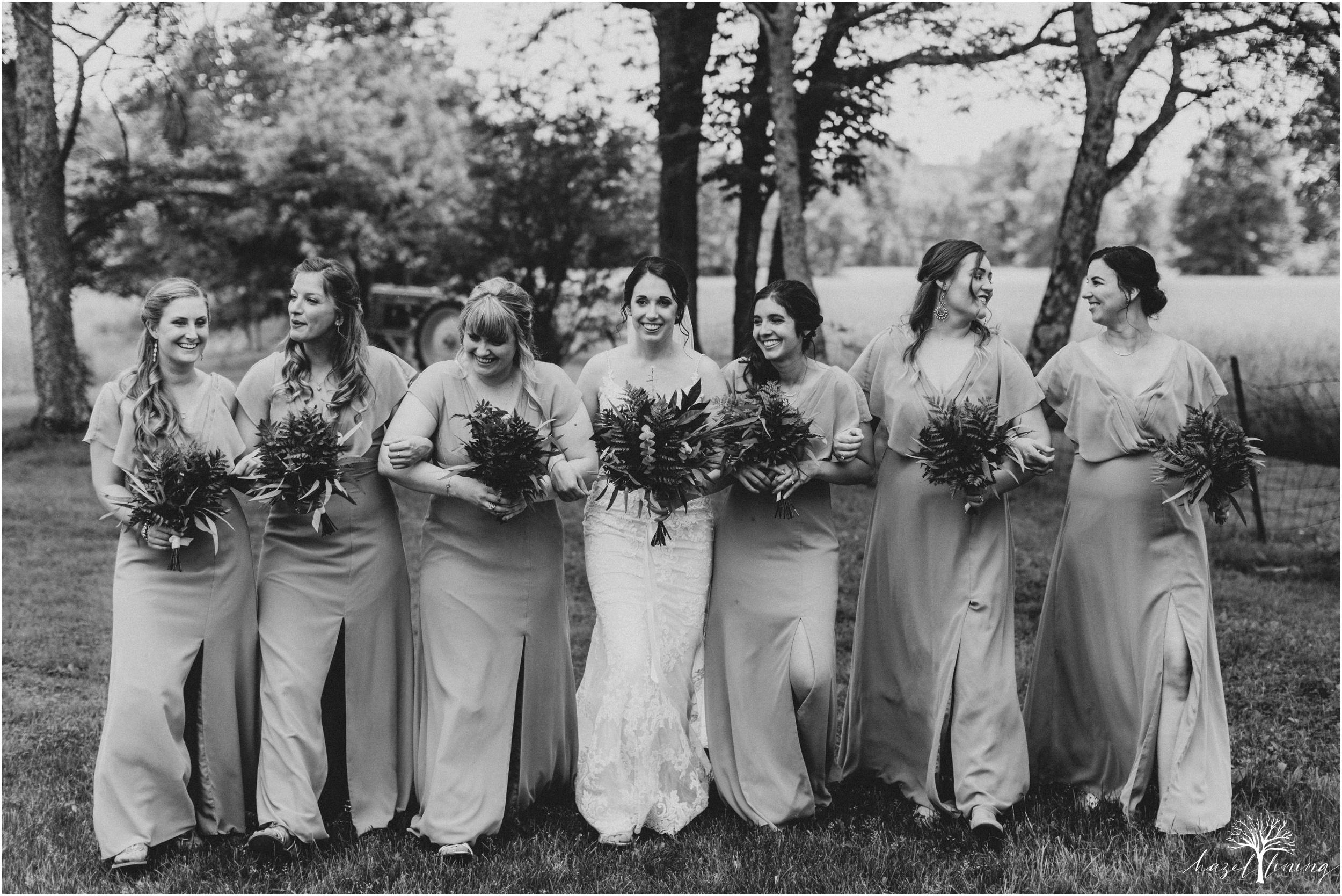 hazel-lining-travel-wedding-elopement-photography-lisa-landon-shoemaker-the-farm-bakery-and-events-bucks-county-quakertown-pennsylvania-summer-country-outdoor-farm-wedding_0033.jpg