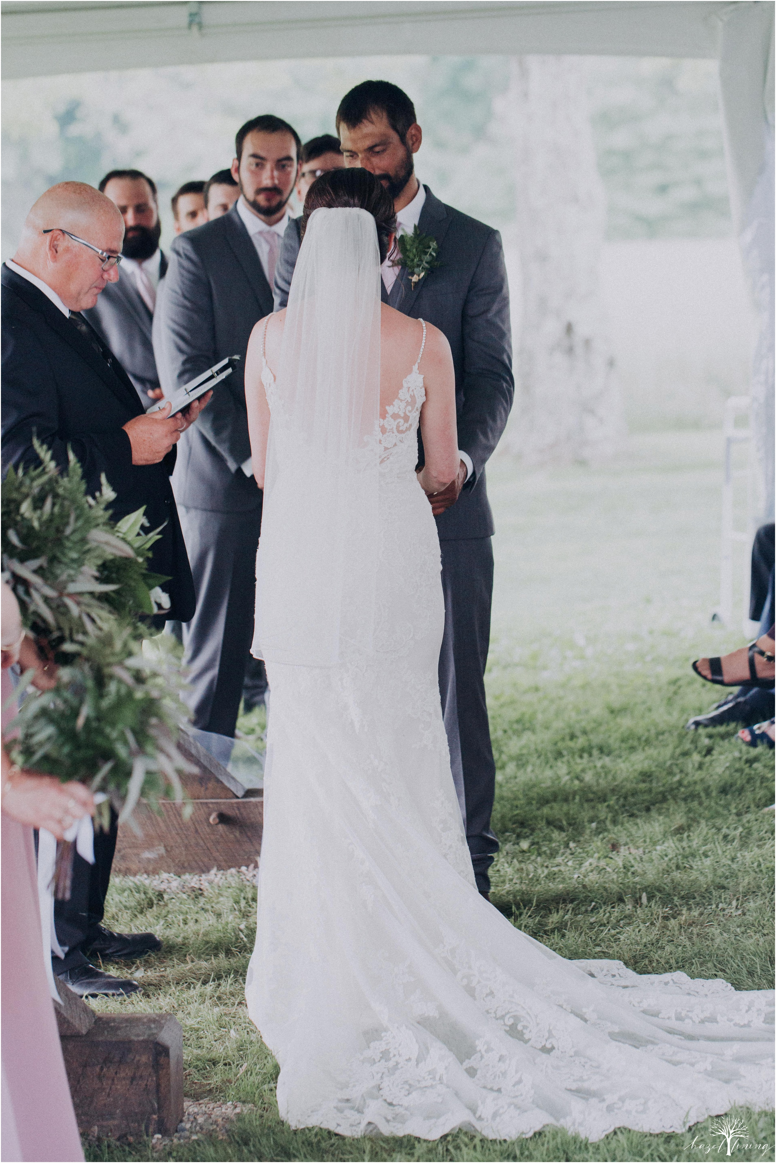 hazel-lining-travel-wedding-elopement-photography-lisa-landon-shoemaker-the-farm-bakery-and-events-bucks-county-quakertown-pennsylvania-summer-country-outdoor-farm-wedding_0061.jpg