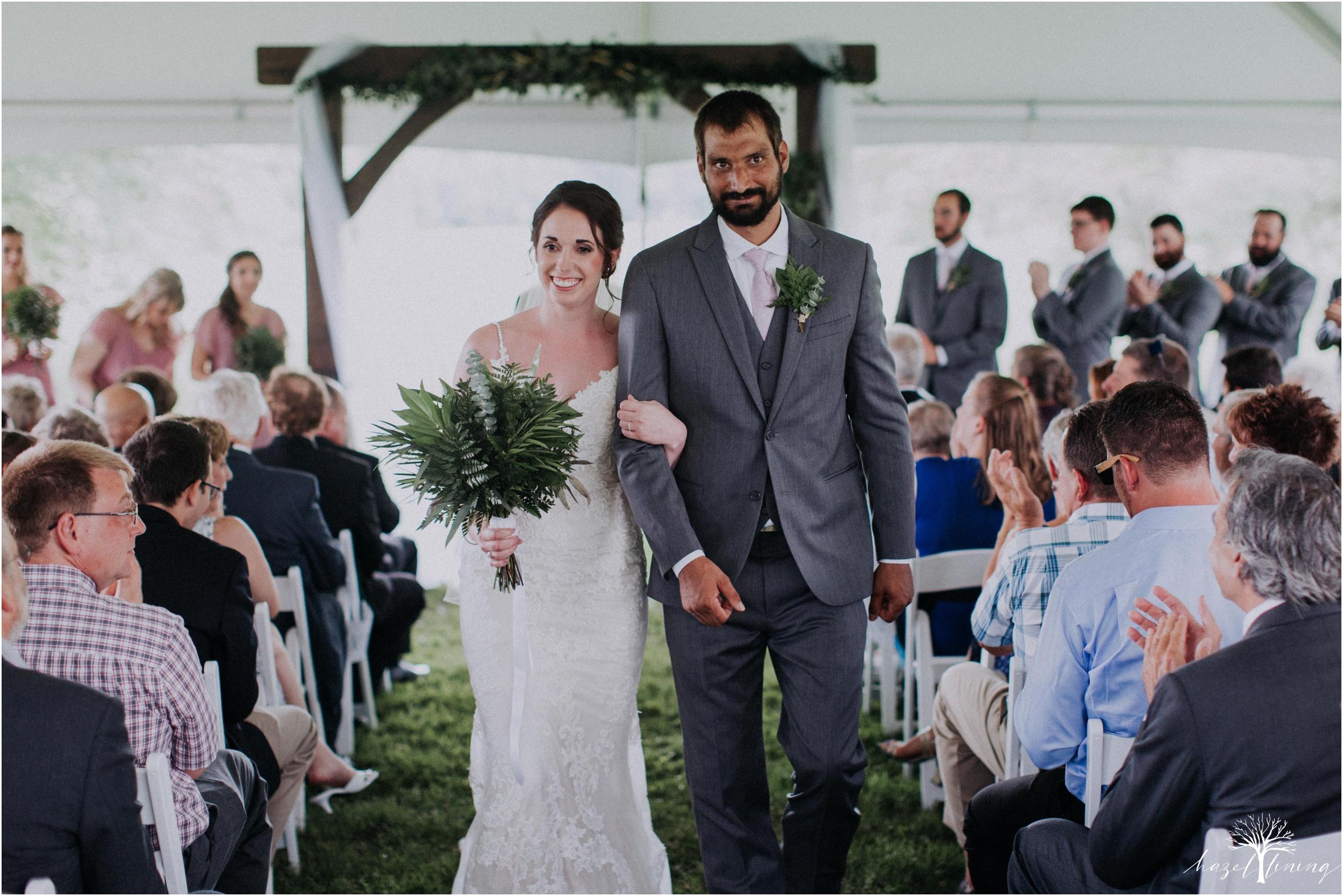 hazel-lining-travel-wedding-elopement-photography-lisa-landon-shoemaker-the-farm-bakery-and-events-bucks-county-quakertown-pennsylvania-summer-country-outdoor-farm-wedding_0067.jpg