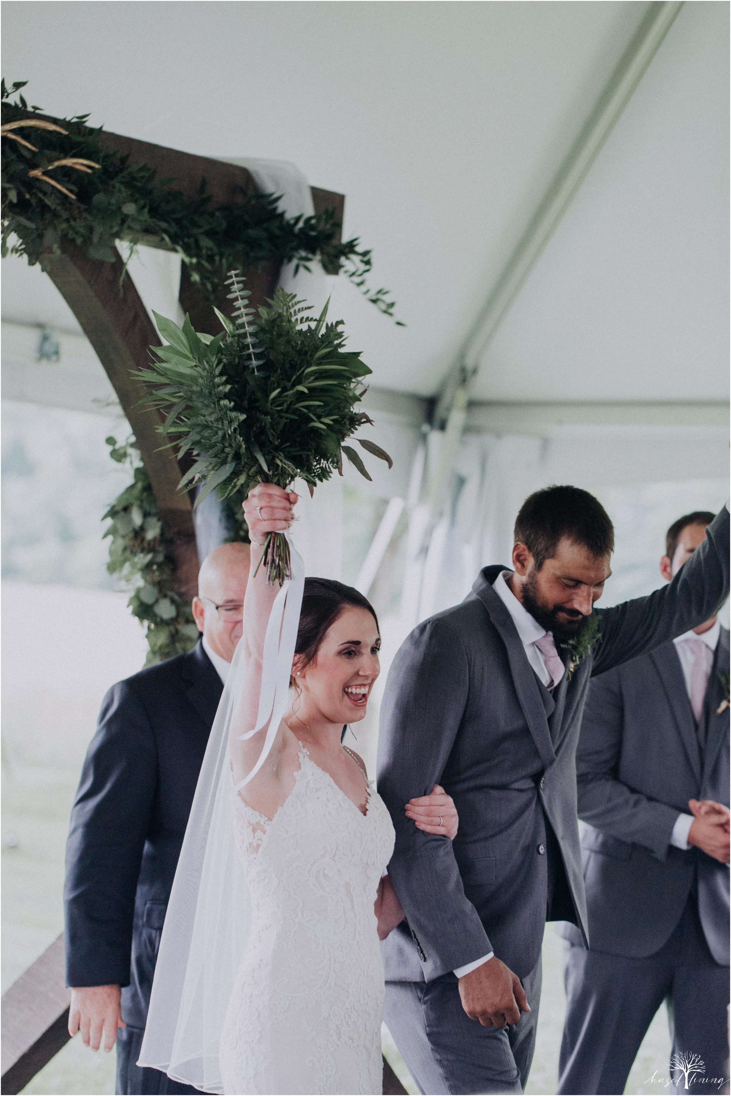 hazel-lining-travel-wedding-elopement-photography-lisa-landon-shoemaker-the-farm-bakery-and-events-bucks-county-quakertown-pennsylvania-summer-country-outdoor-farm-wedding_0066.jpg