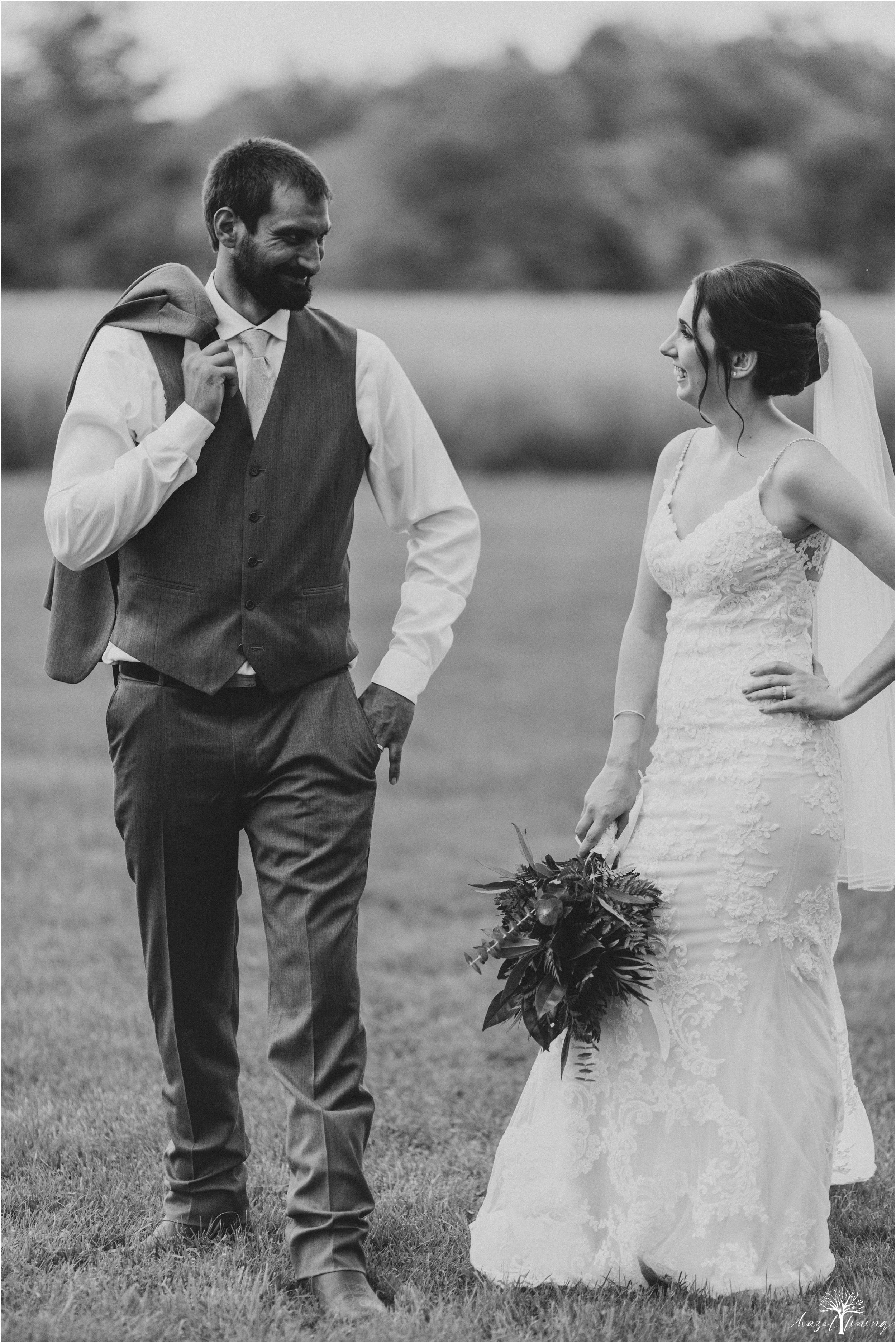 hazel-lining-travel-wedding-elopement-photography-lisa-landon-shoemaker-the-farm-bakery-and-events-bucks-county-quakertown-pennsylvania-summer-country-outdoor-farm-wedding_0099.jpg