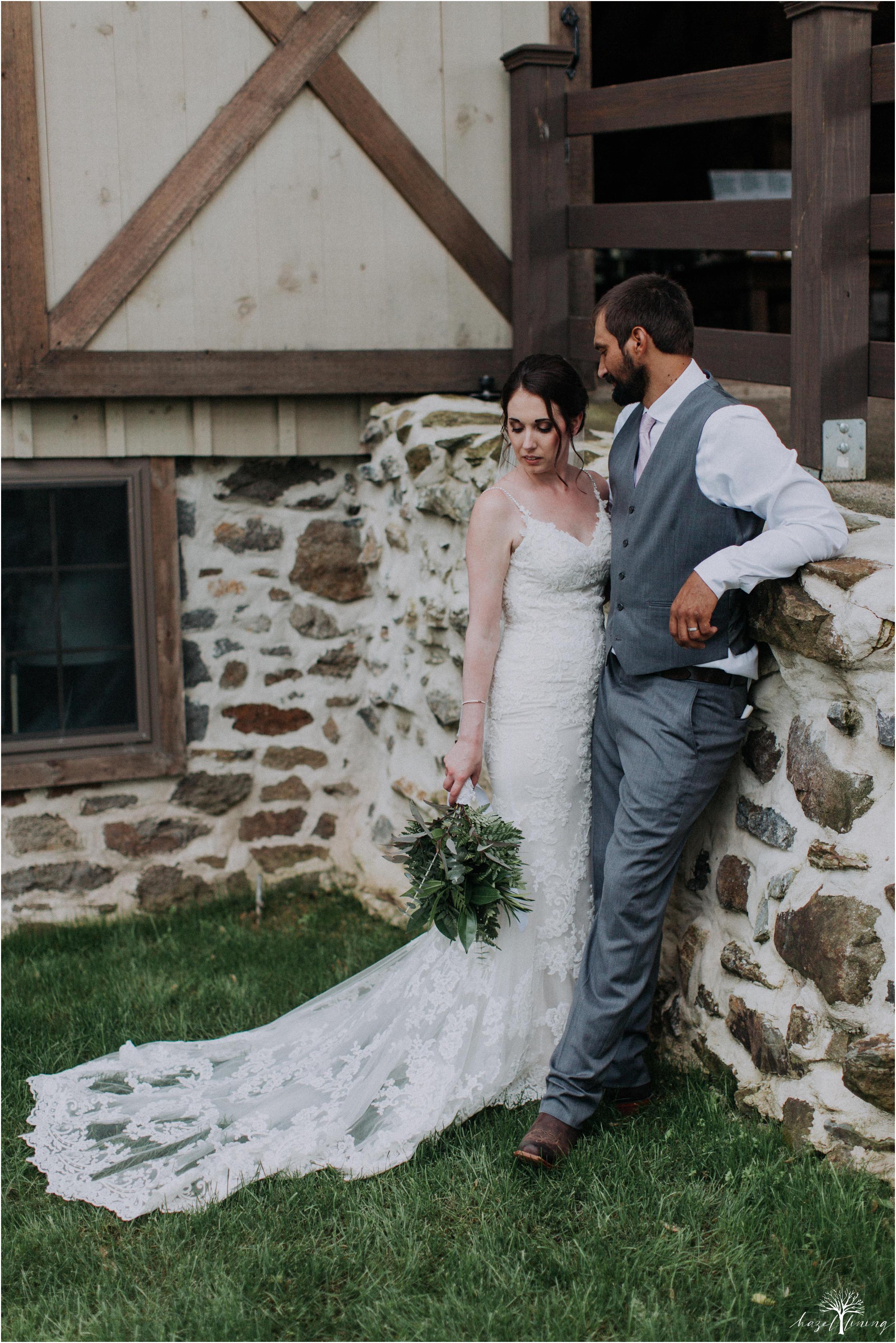 hazel-lining-travel-wedding-elopement-photography-lisa-landon-shoemaker-the-farm-bakery-and-events-bucks-county-quakertown-pennsylvania-summer-country-outdoor-farm-wedding_0100.jpg