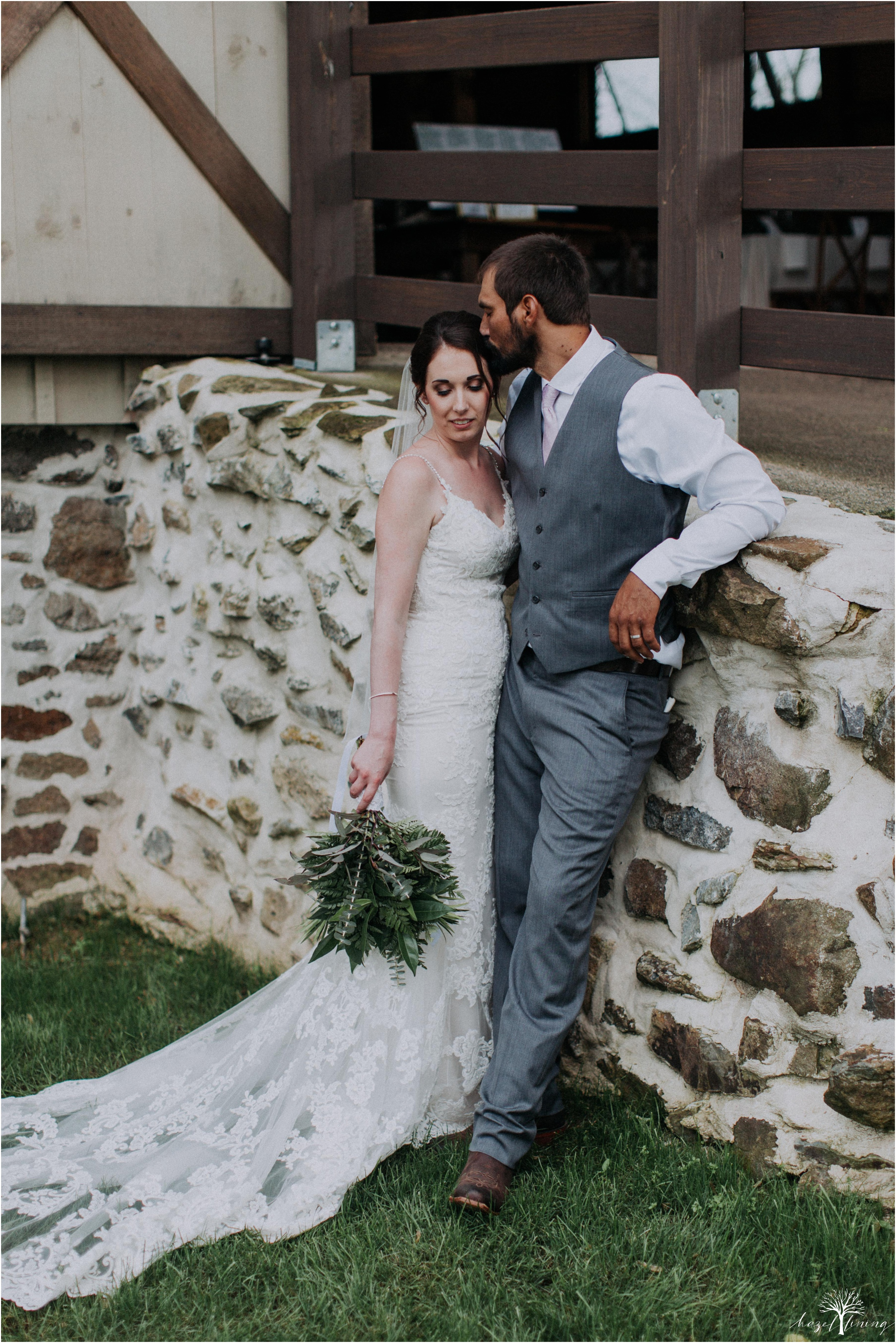 hazel-lining-travel-wedding-elopement-photography-lisa-landon-shoemaker-the-farm-bakery-and-events-bucks-county-quakertown-pennsylvania-summer-country-outdoor-farm-wedding_0102.jpg