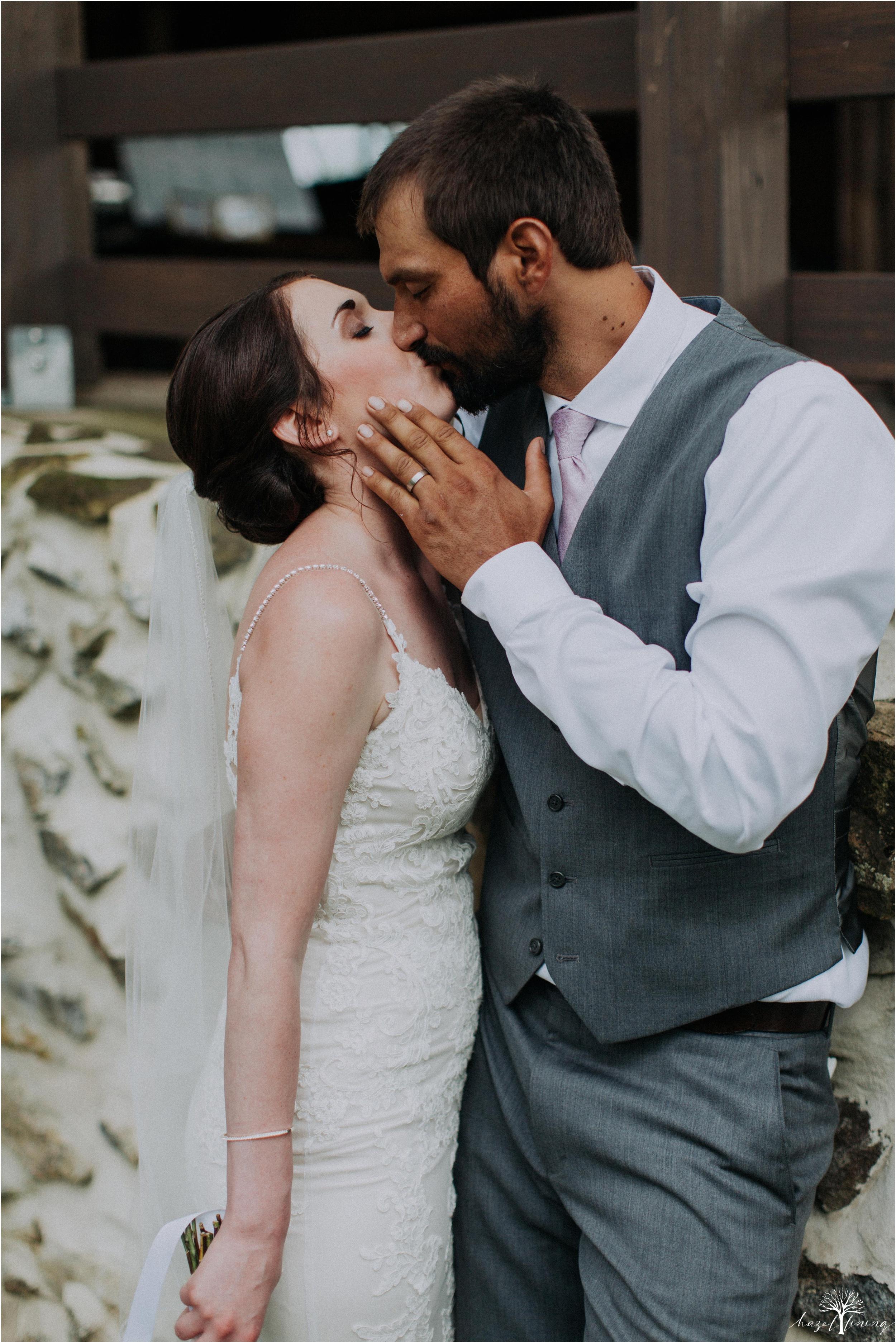 hazel-lining-travel-wedding-elopement-photography-lisa-landon-shoemaker-the-farm-bakery-and-events-bucks-county-quakertown-pennsylvania-summer-country-outdoor-farm-wedding_0103.jpg