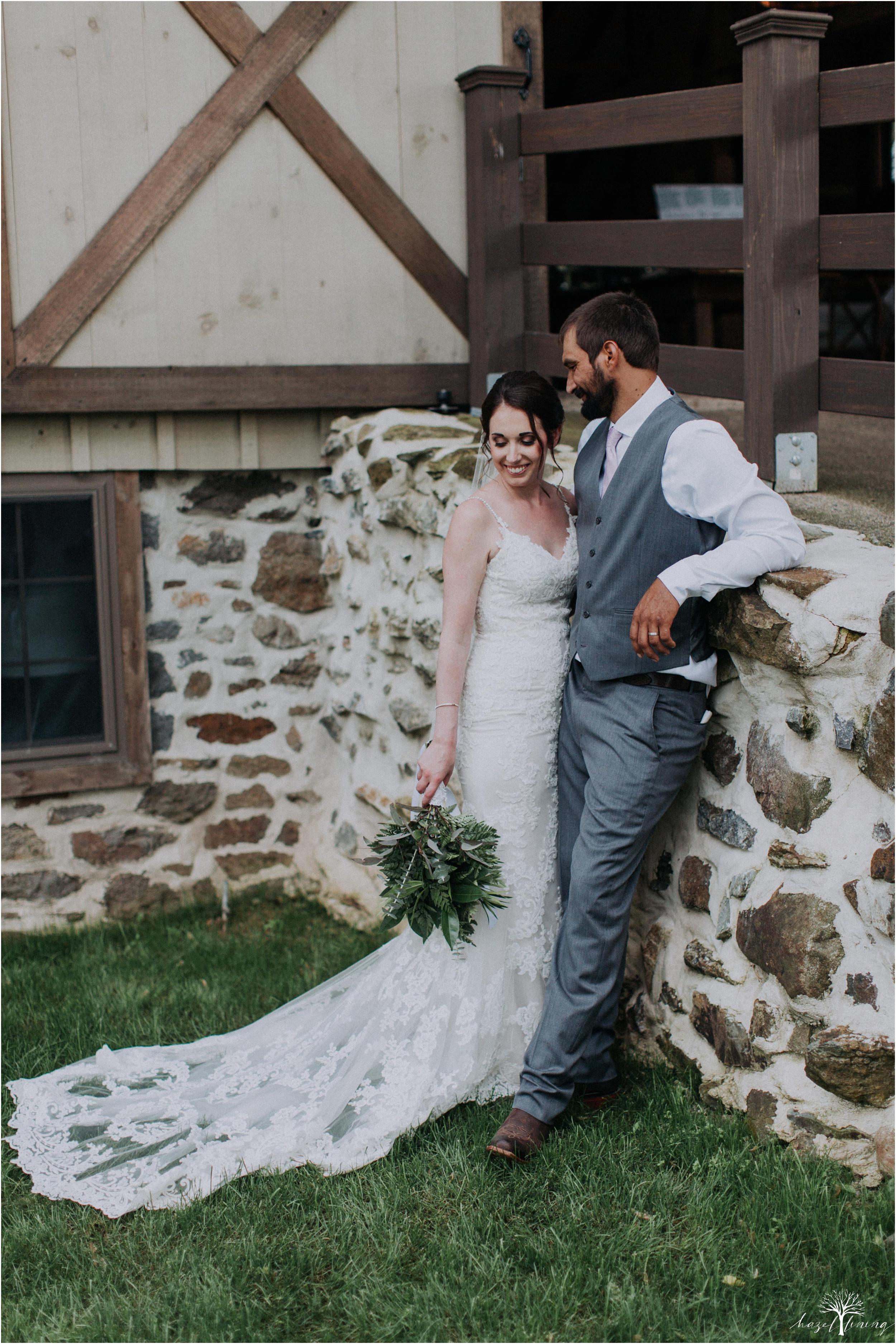 hazel-lining-travel-wedding-elopement-photography-lisa-landon-shoemaker-the-farm-bakery-and-events-bucks-county-quakertown-pennsylvania-summer-country-outdoor-farm-wedding_0104.jpg
