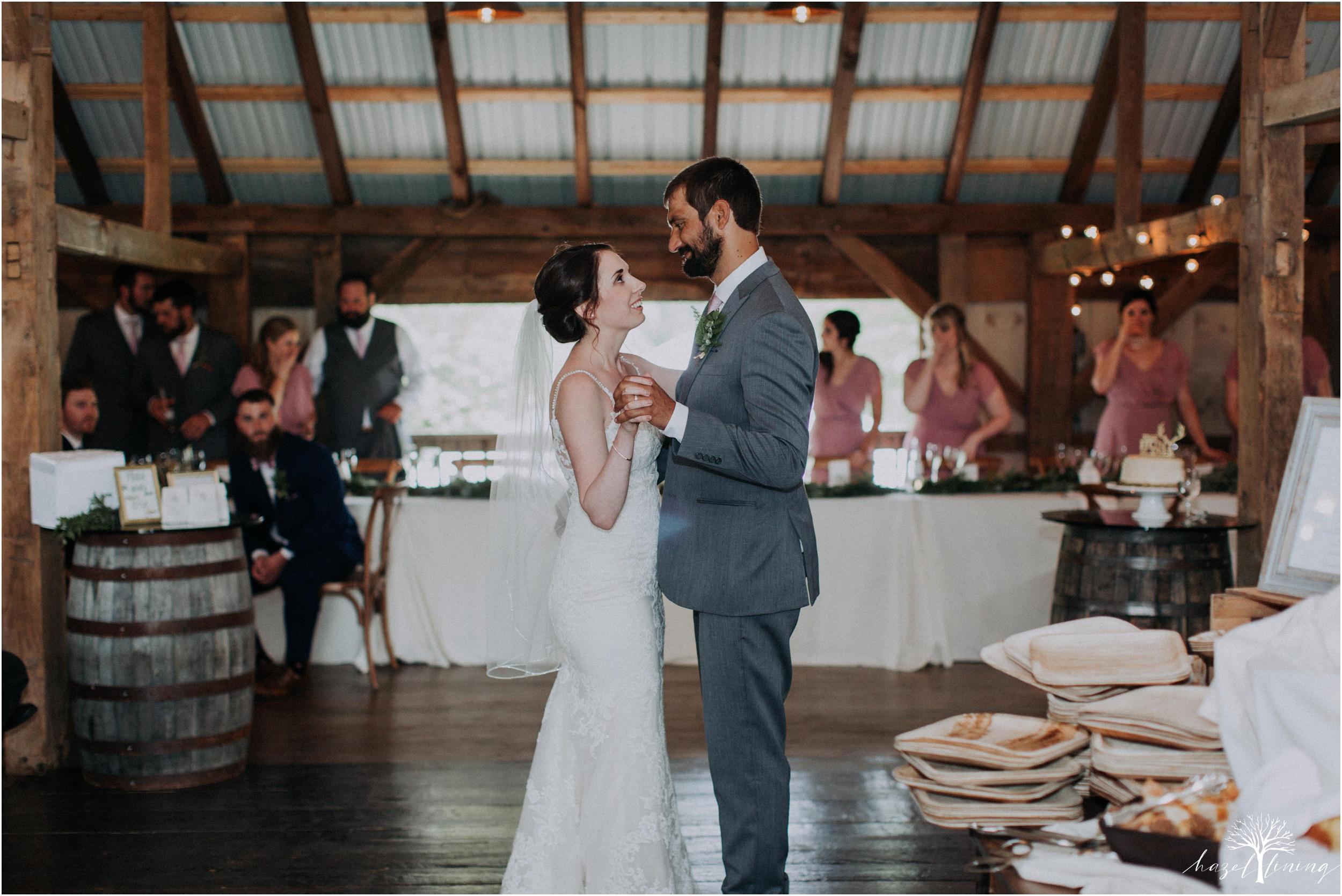 hazel-lining-travel-wedding-elopement-photography-lisa-landon-shoemaker-the-farm-bakery-and-events-bucks-county-quakertown-pennsylvania-summer-country-outdoor-farm-wedding_0110.jpg